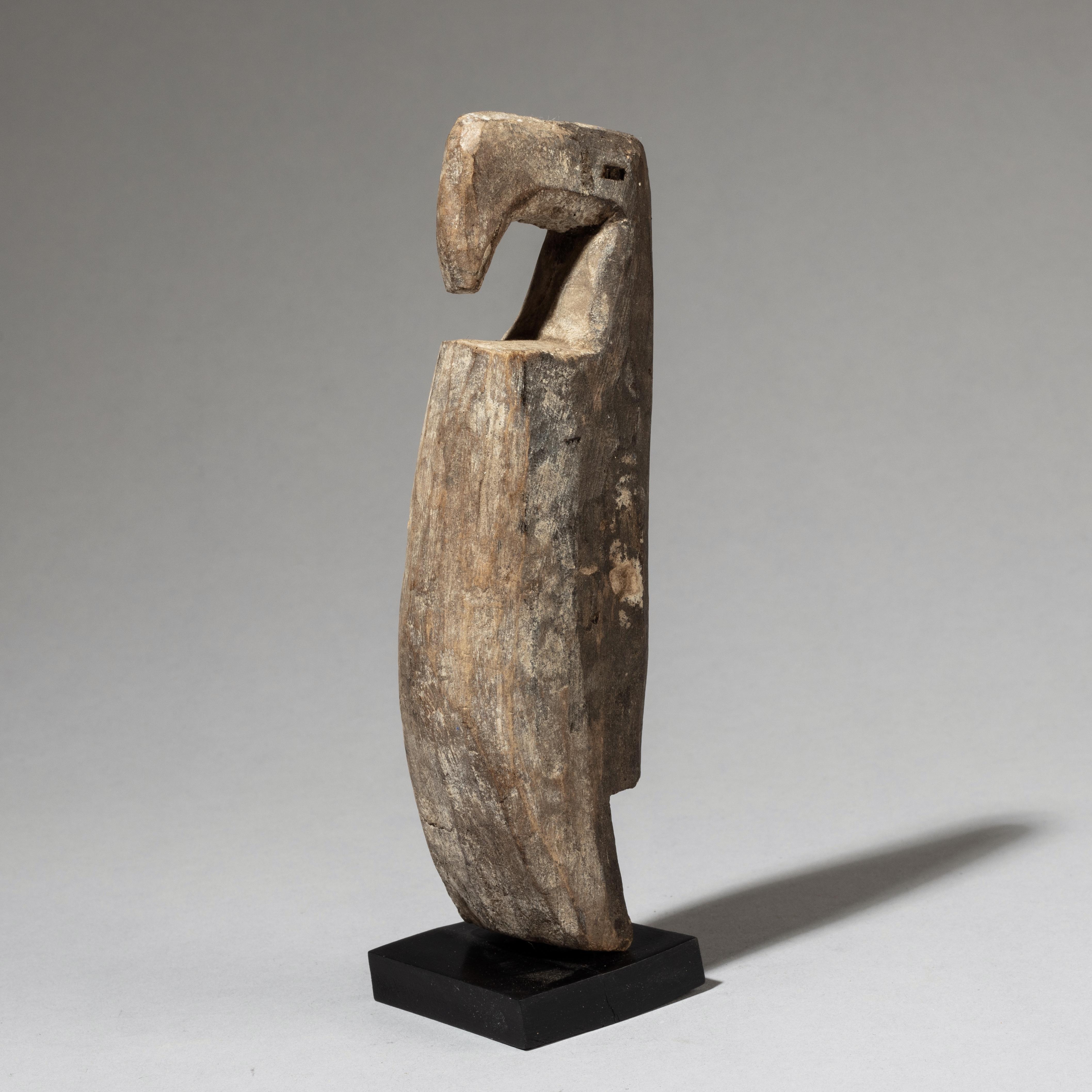 ( SOLD LY LY LY )- -AN ELEGANT BIRD NATURE SPIRIT, ADAN TRIBE GHANA ( No 3339 )