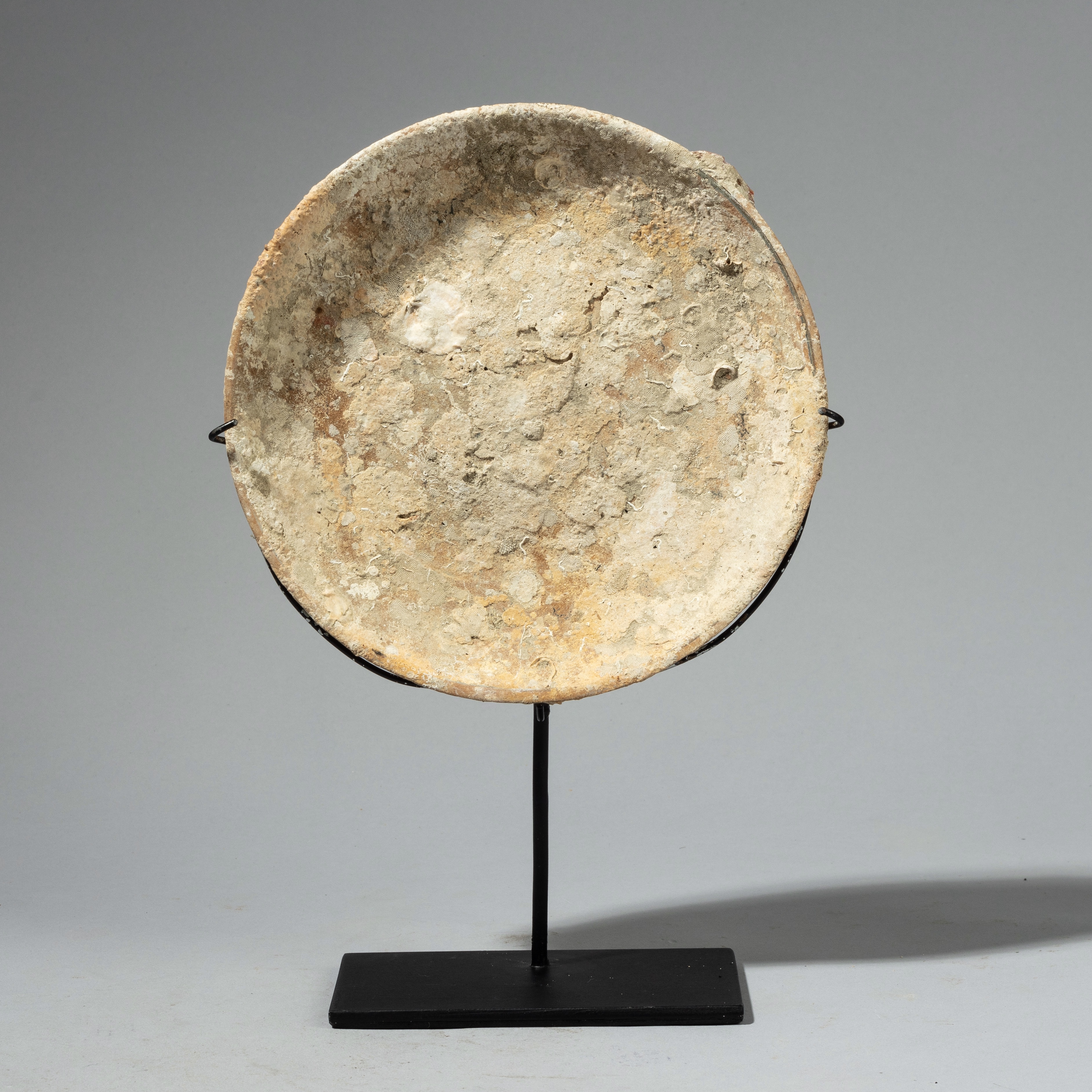 UNDERWATER POTTERY FROM INDONESIA ( No 4333)