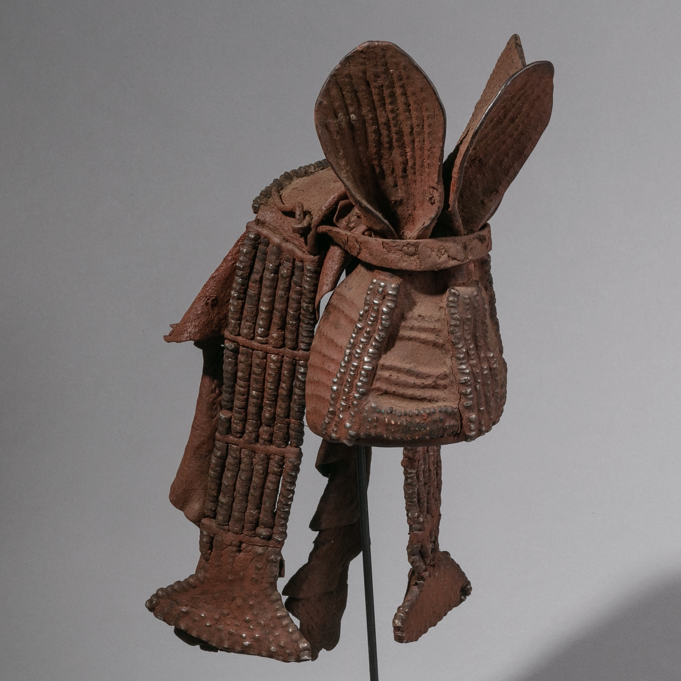 A SCULPTURAL HIMBA HEADDRESS FROM NAMIBIA ( No 1216 )