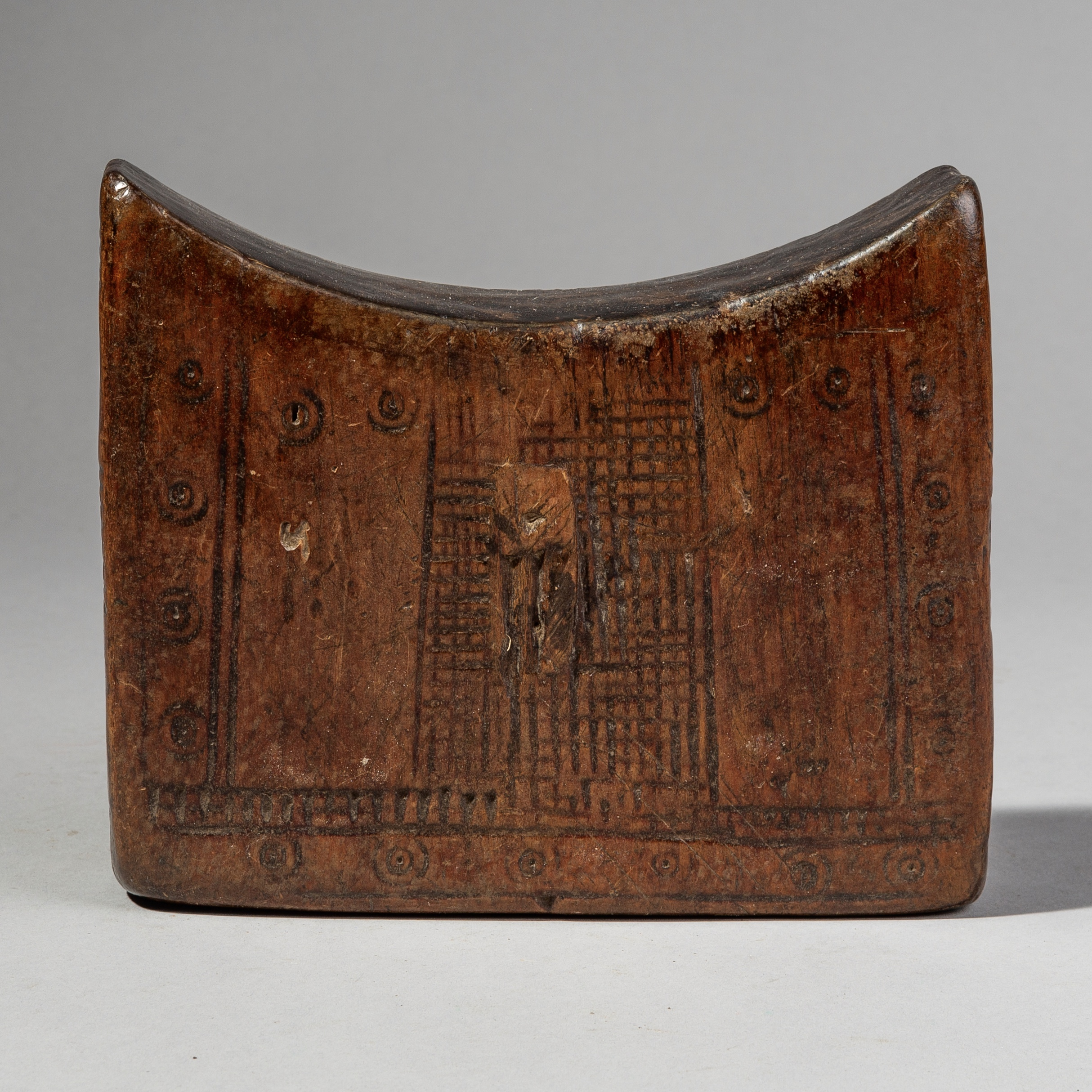 A TALISMANIC HEADREST FROM THE GURAGE TRIBE ETHIOPIA ( No 1964 )
