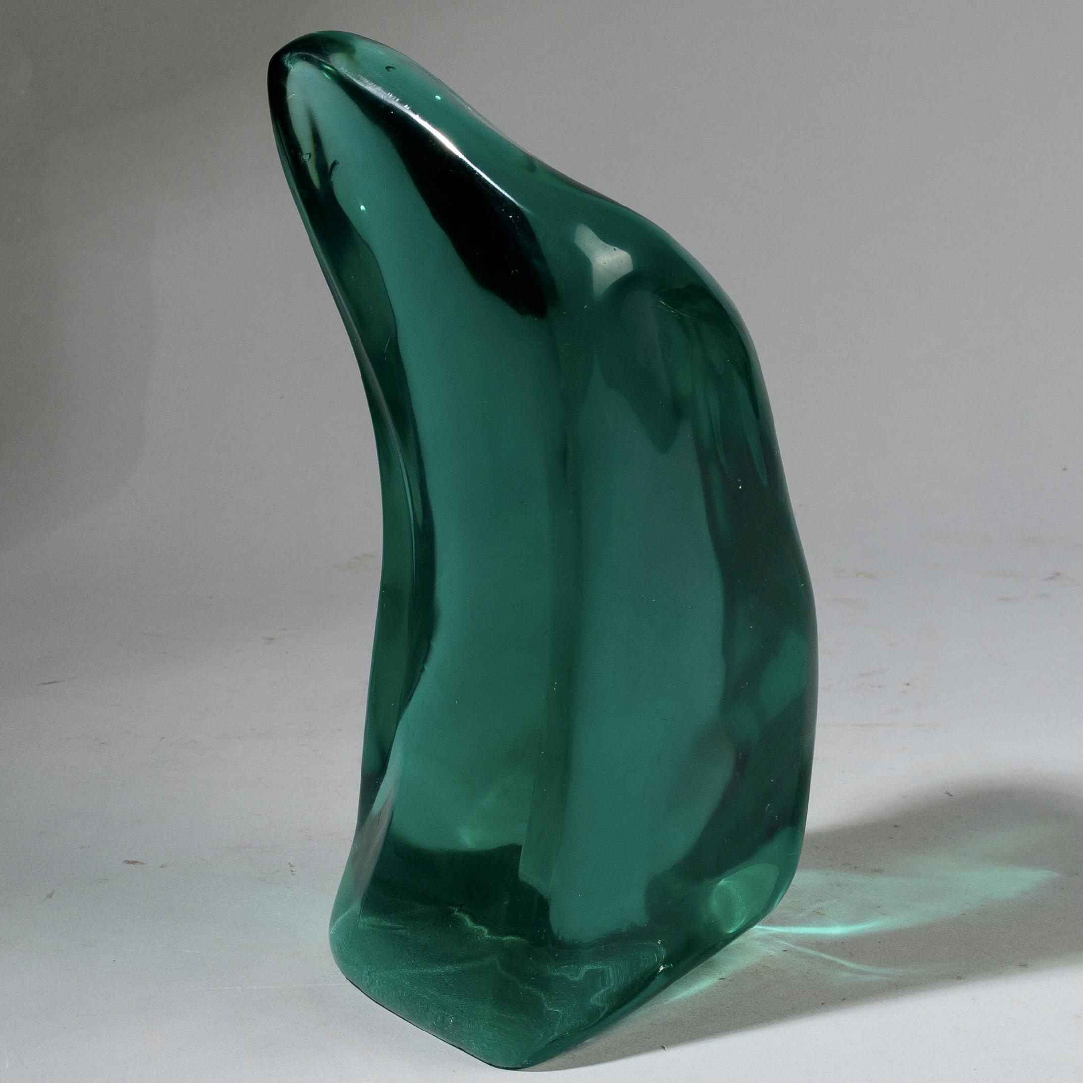 A NATURAL GLASS FORM WITH FLUID LINES, MADAGASCAR ( No 3416 )
