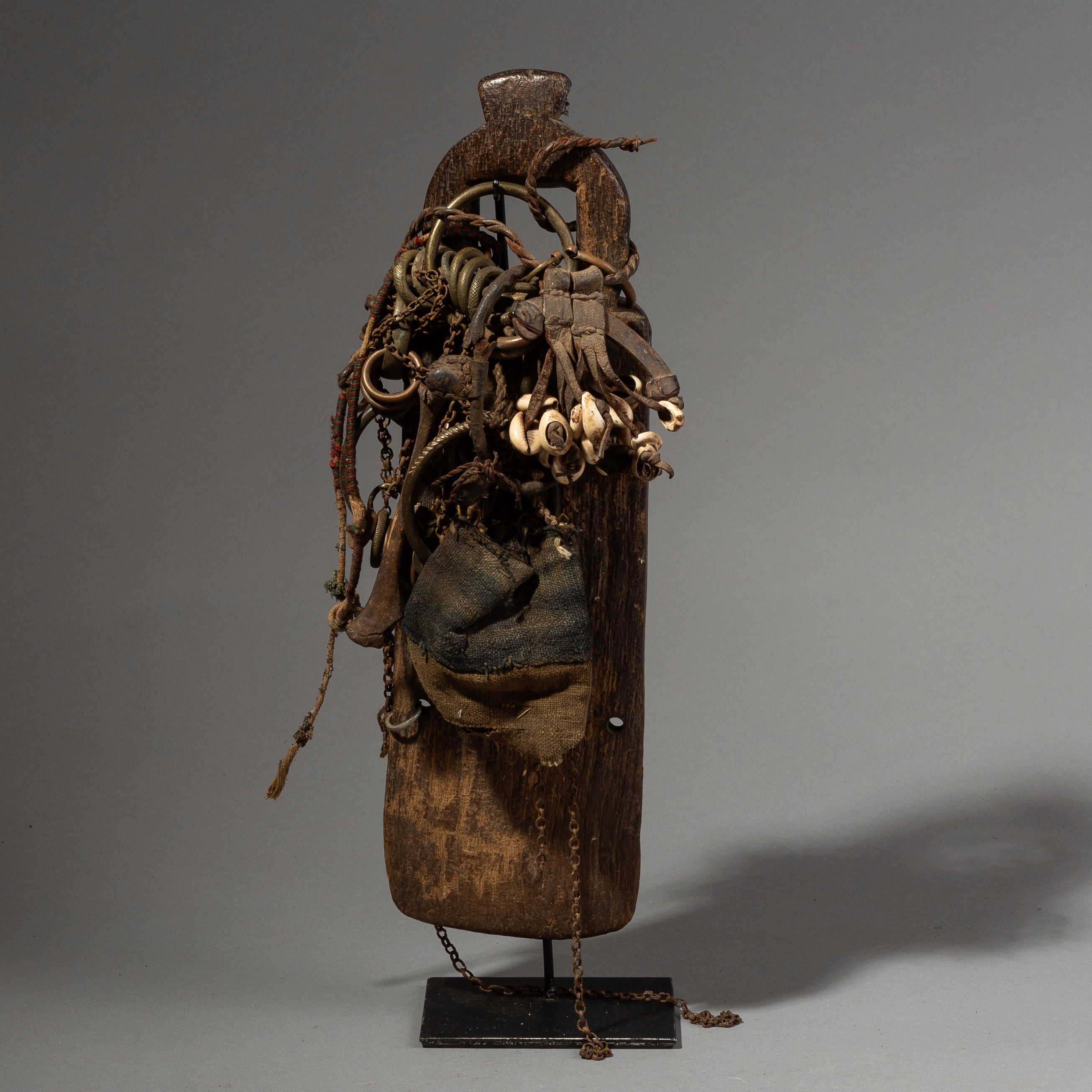 A RARE, TEXTURAL, ABSTRACT DOLL FROM CAMEROON ( No 4363)