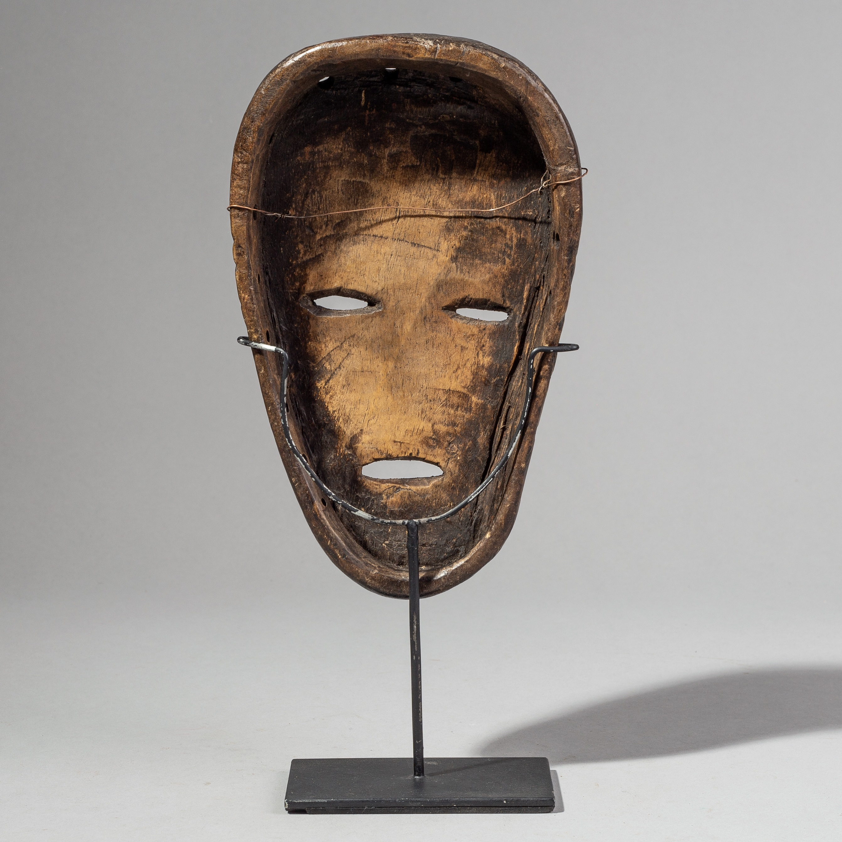 SD A SERENE LOVALE MASK FROM ZAMBIA( No 1655 )