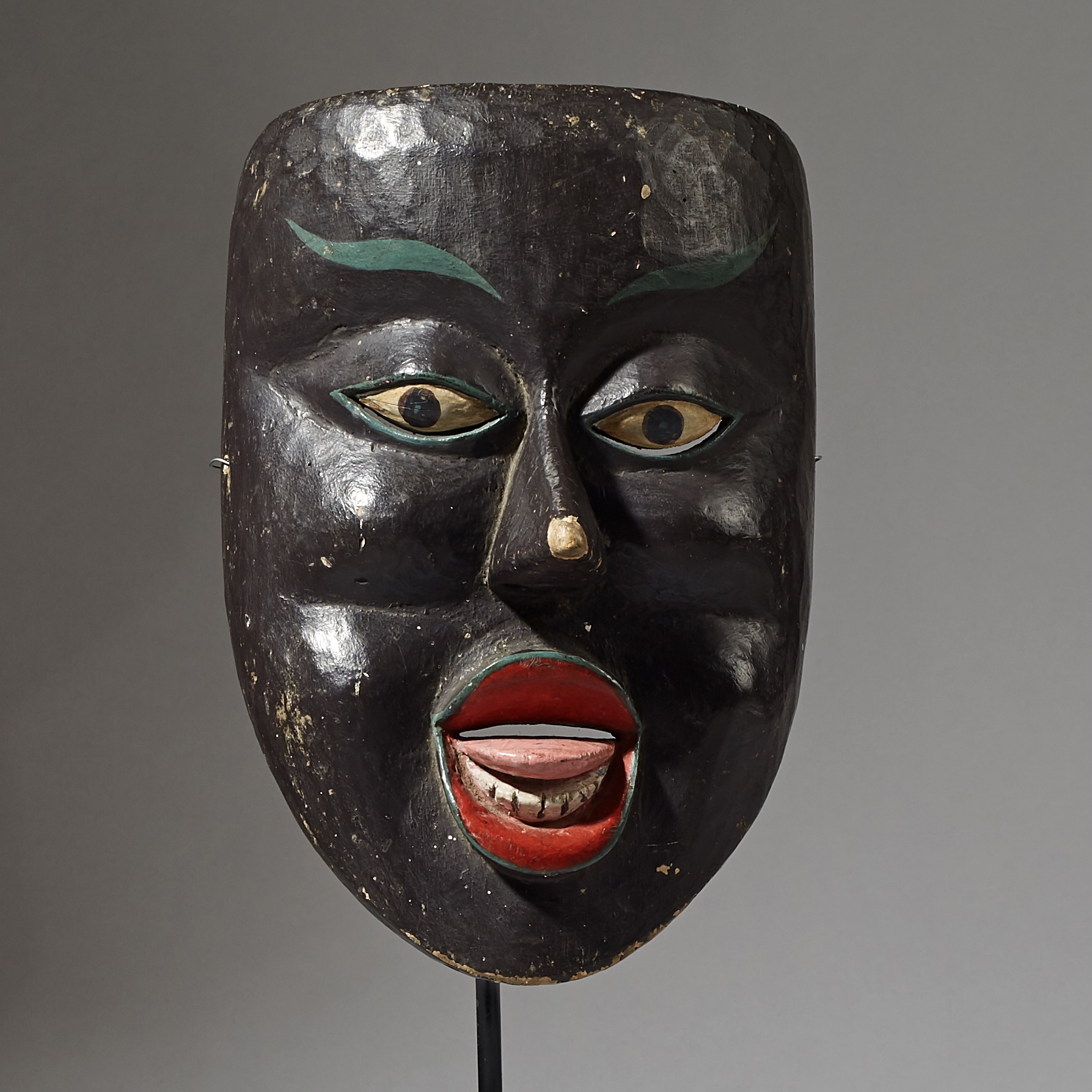 SD A CHEEKY THEATRE MASK FROM JAVA, INDONESIA ( No 2873 )