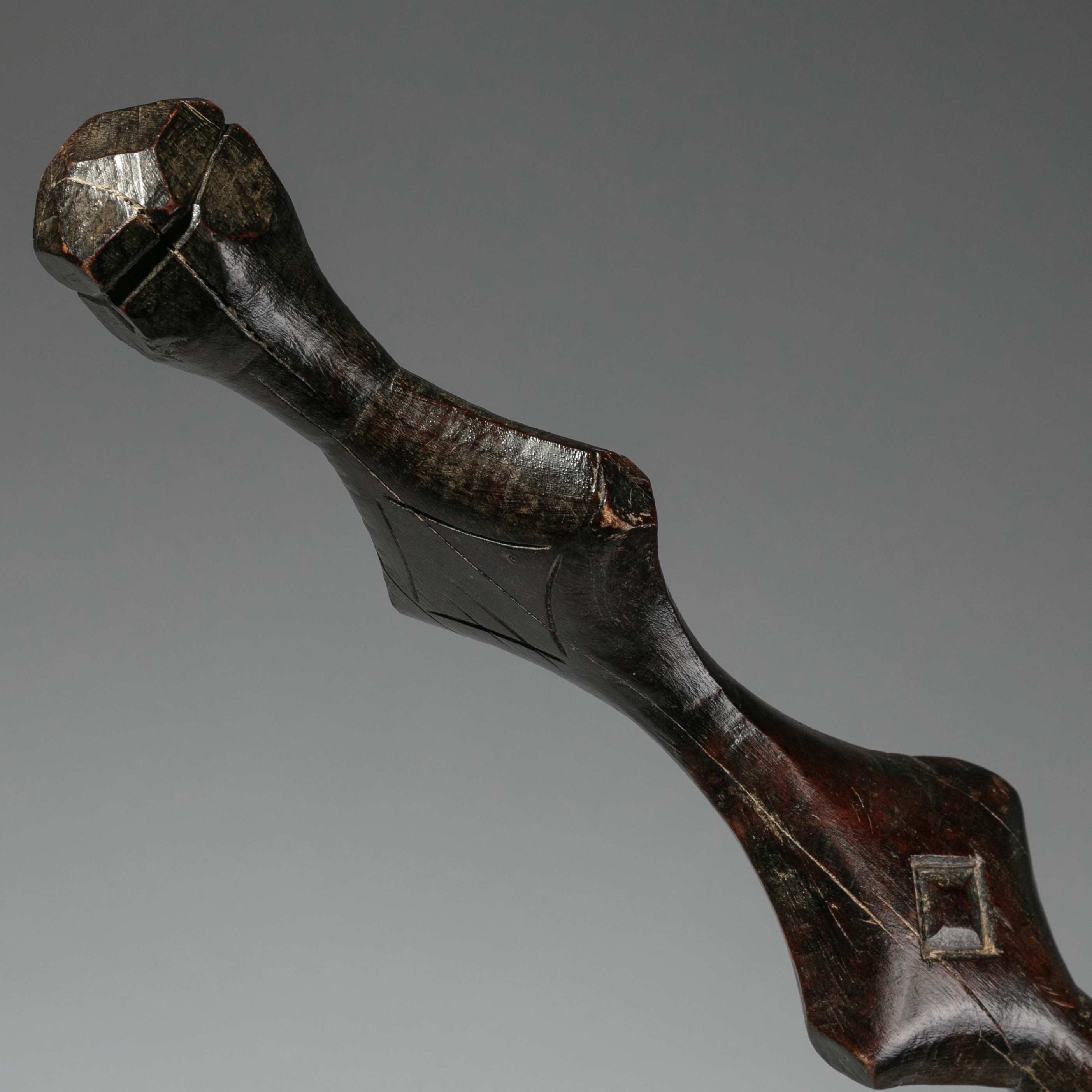 SD A HIGHLY STYLISED, ALMOST HUMANOID BATON FROM DAN TRIBE IVORY COAST ( No 1337 )