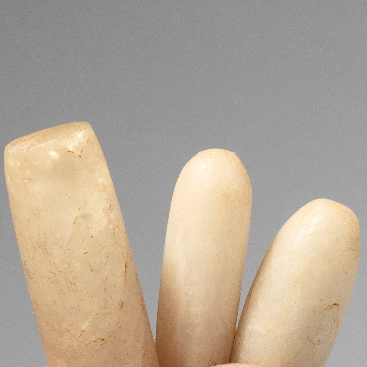 3 ANCIENT QUARTZ LIP PLUG LABARETS, SAHARA, W. AFRICA ( No 4286)