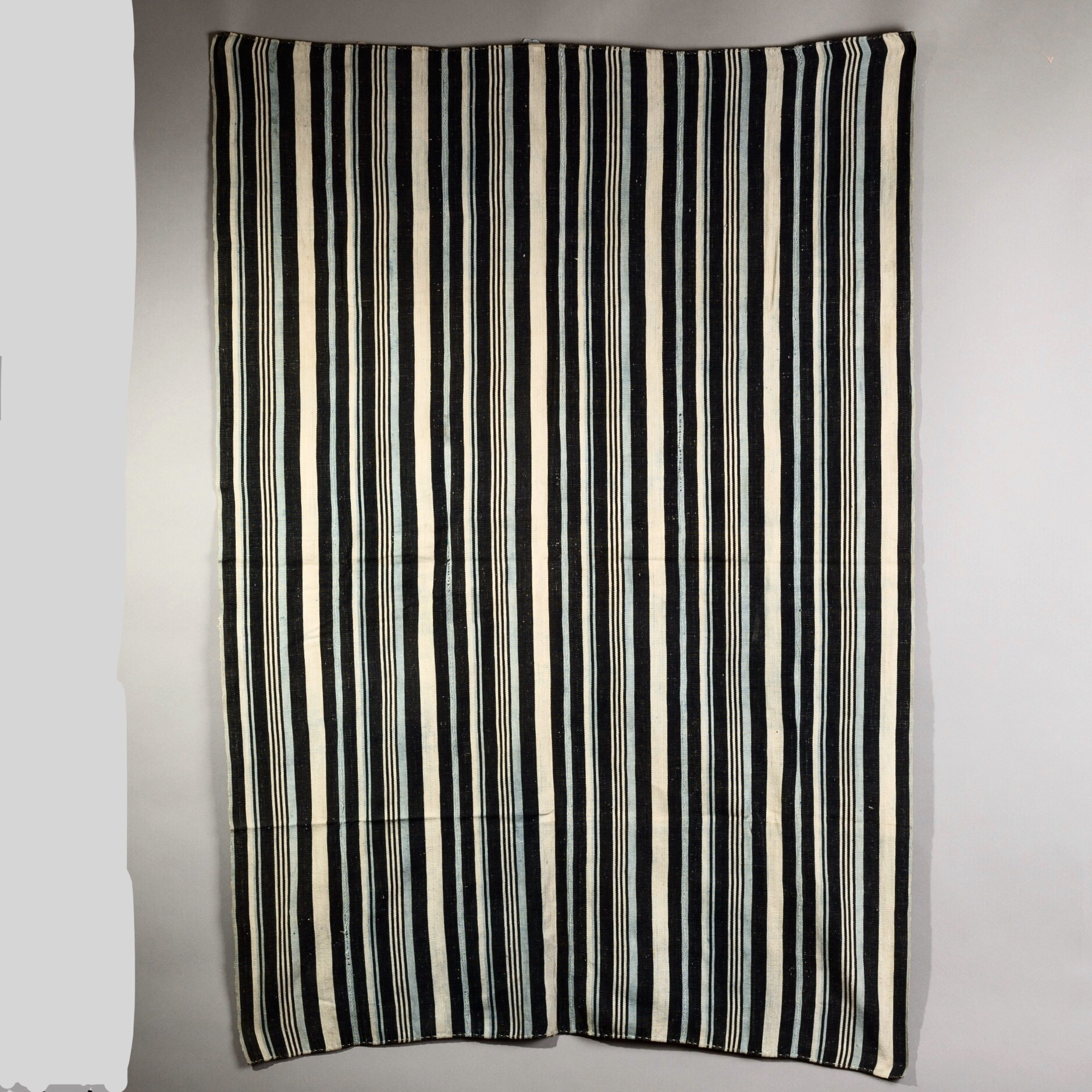 A SLEEK STRIPED CLOTH FROM NORTHERN GHANA ( No 2101 )