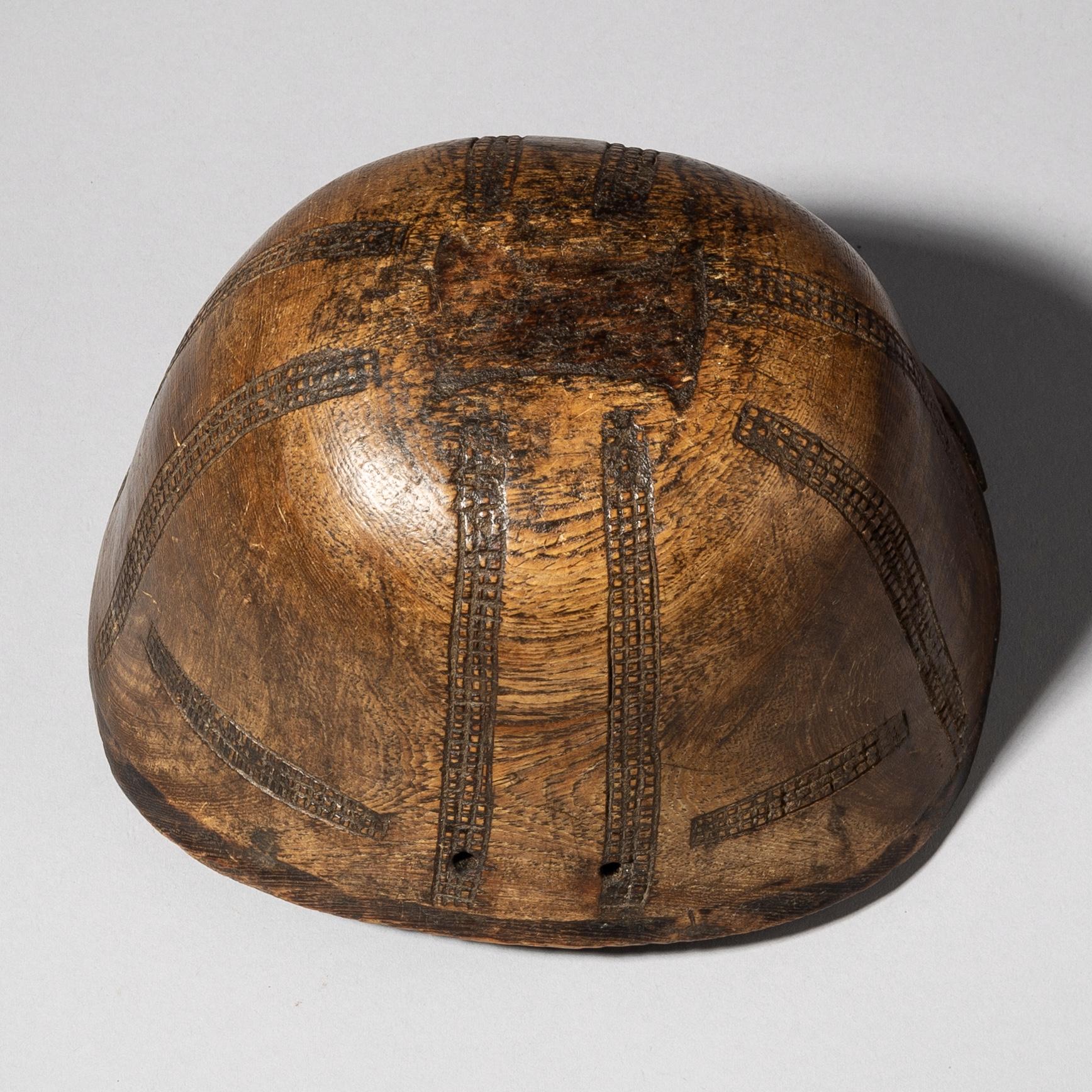 A BURNISHED TURKANA BOWL FROM KENYA ( No 3709)