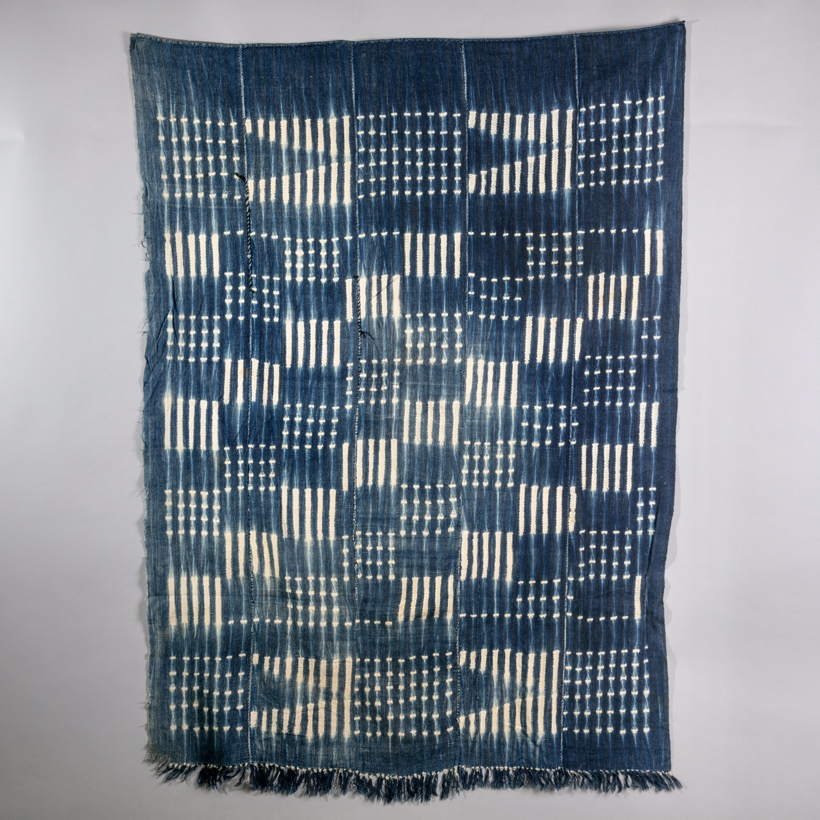 ( RESERVED DO )-Sold  -A RARE CHECKERBOARD DESIGN CLOTH  FROM MOSSI TRIBE   ( No 1275  ).