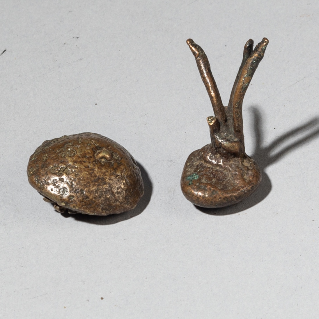 19THC SPREWS +SLAG FROM THE AKAN GOLD WEIGHT MAKING LOST WAX PROCESS ( No 3655)
