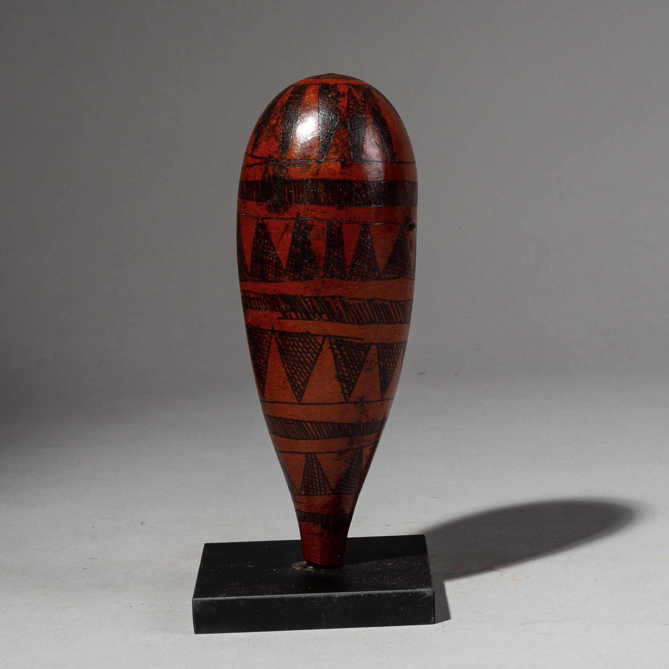 A SMALL ETHIOPIAN SPICE GOURD WITH BURNISHED DECORATION ( No 2127 )