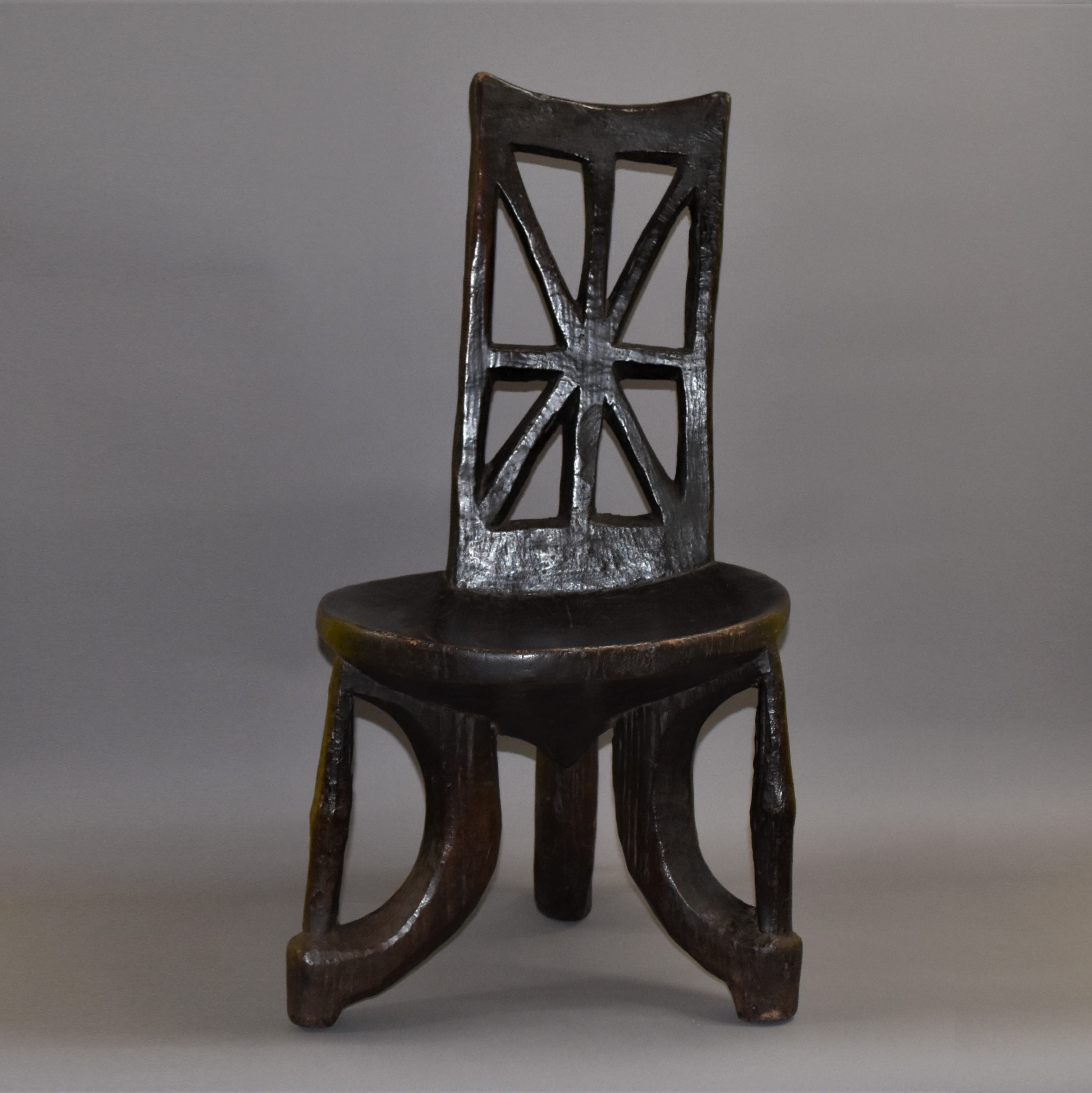 A WELL PATINATED ETHIOPIAN CHAIR - postage only to EU ( No 397 )