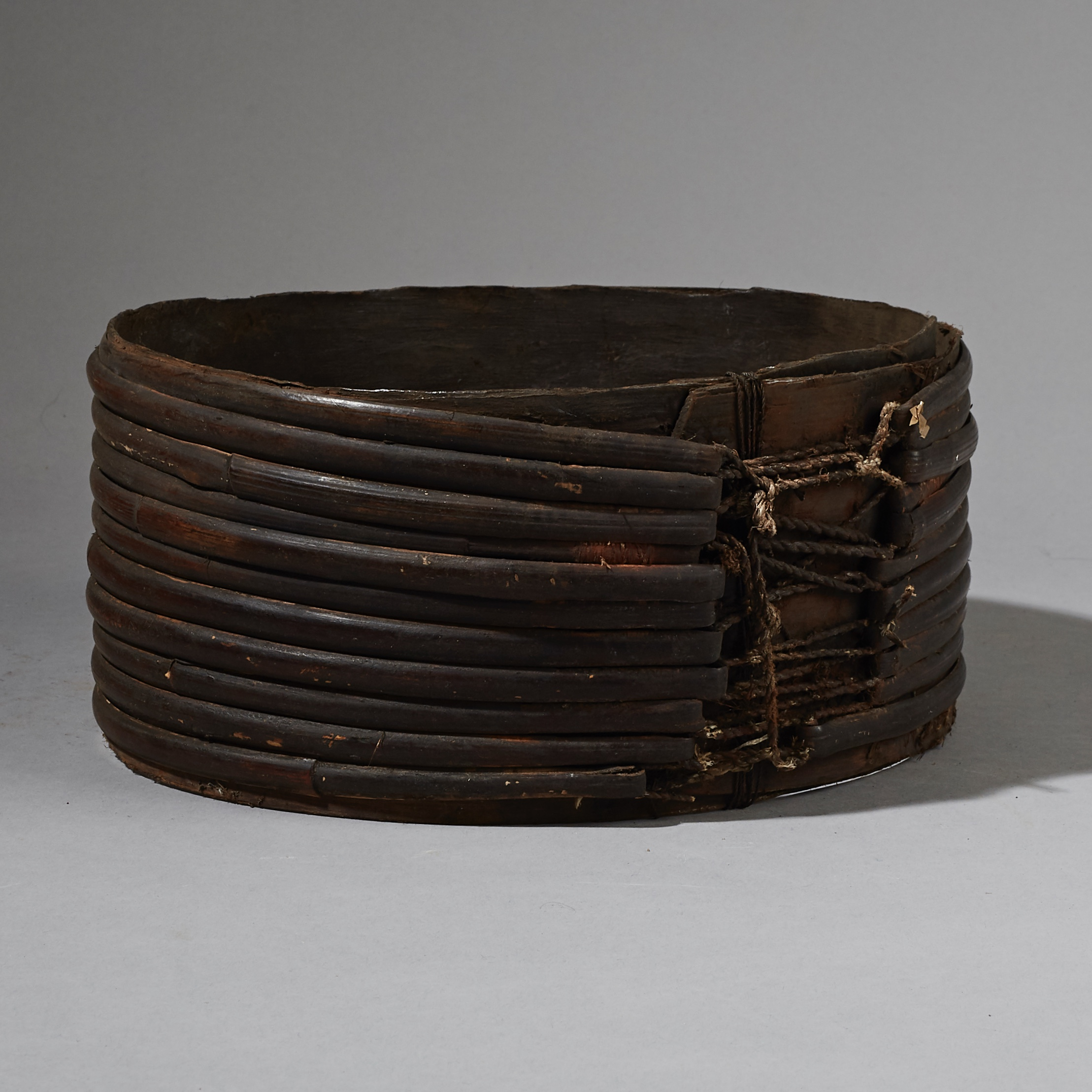 AN OLD BAMBOO BELT FROM PAPUA NEW GUINEA ( No 2655 )