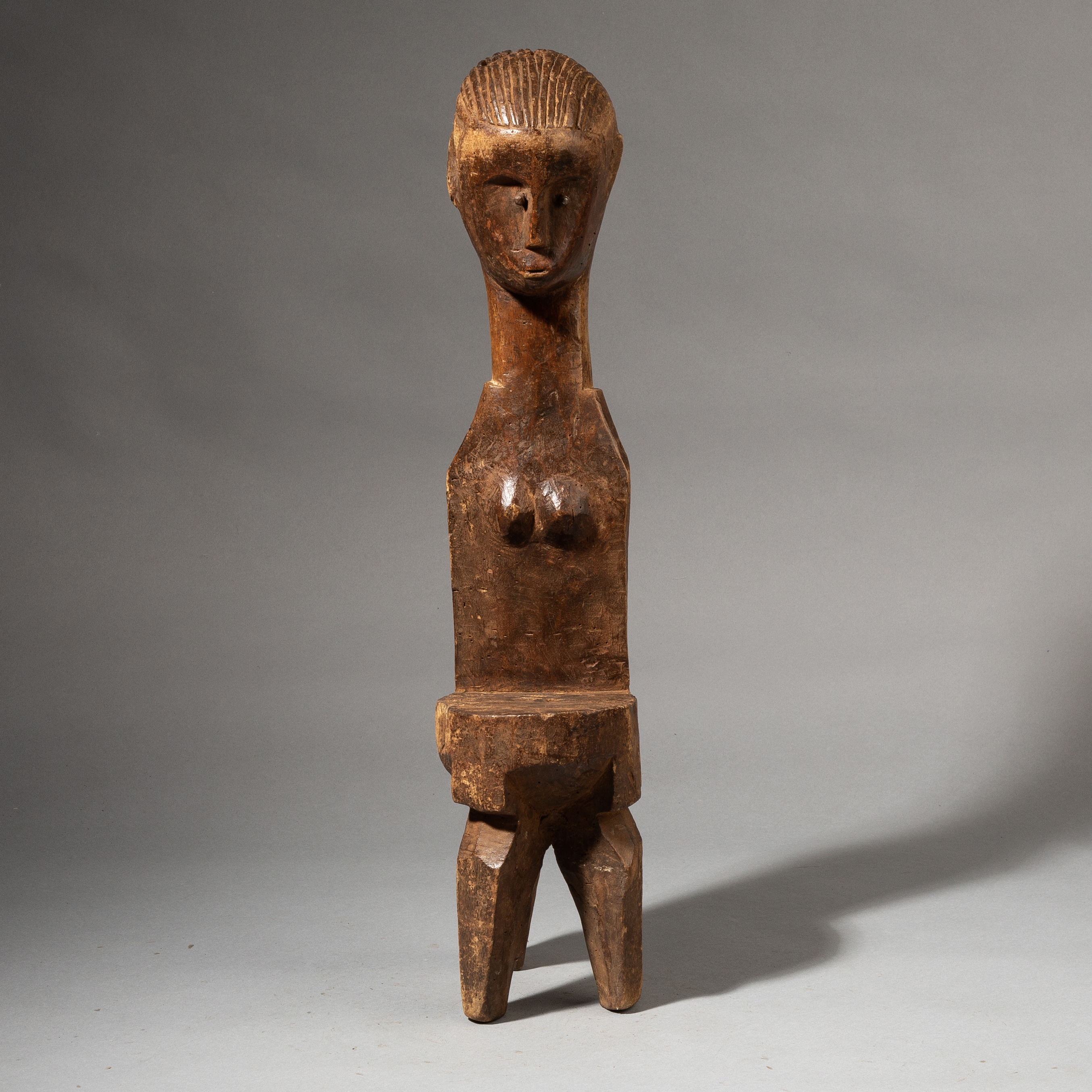 A UNUSUAL NYAMWEZI TRIBE MEDICINE RECEPTACLE CHAIR FROM TANZANIA ( No 3523 )