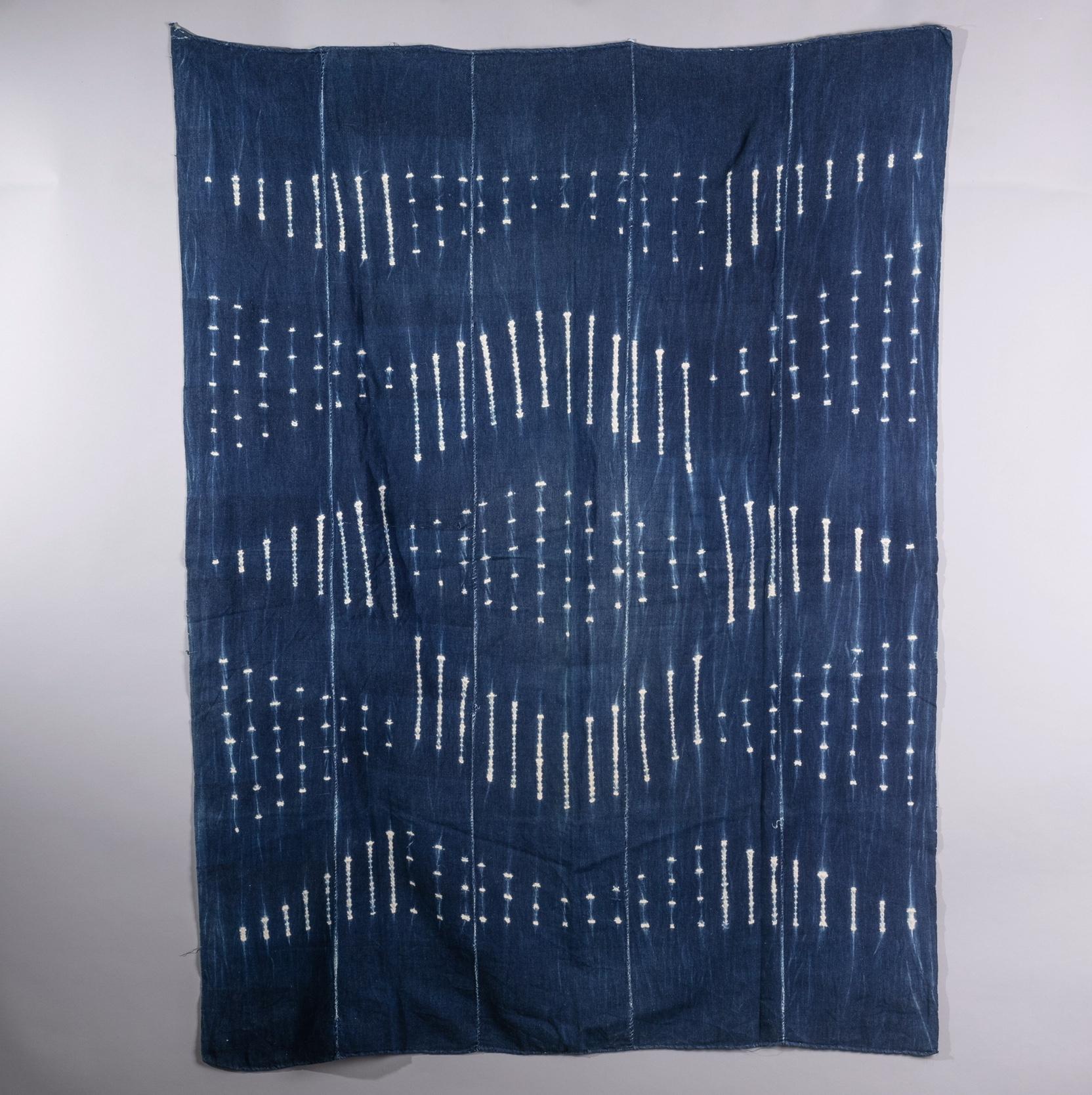 ( RESERVED DO )  -A GEOMETRIC MOSSI CLOTH ( No 1340 )
