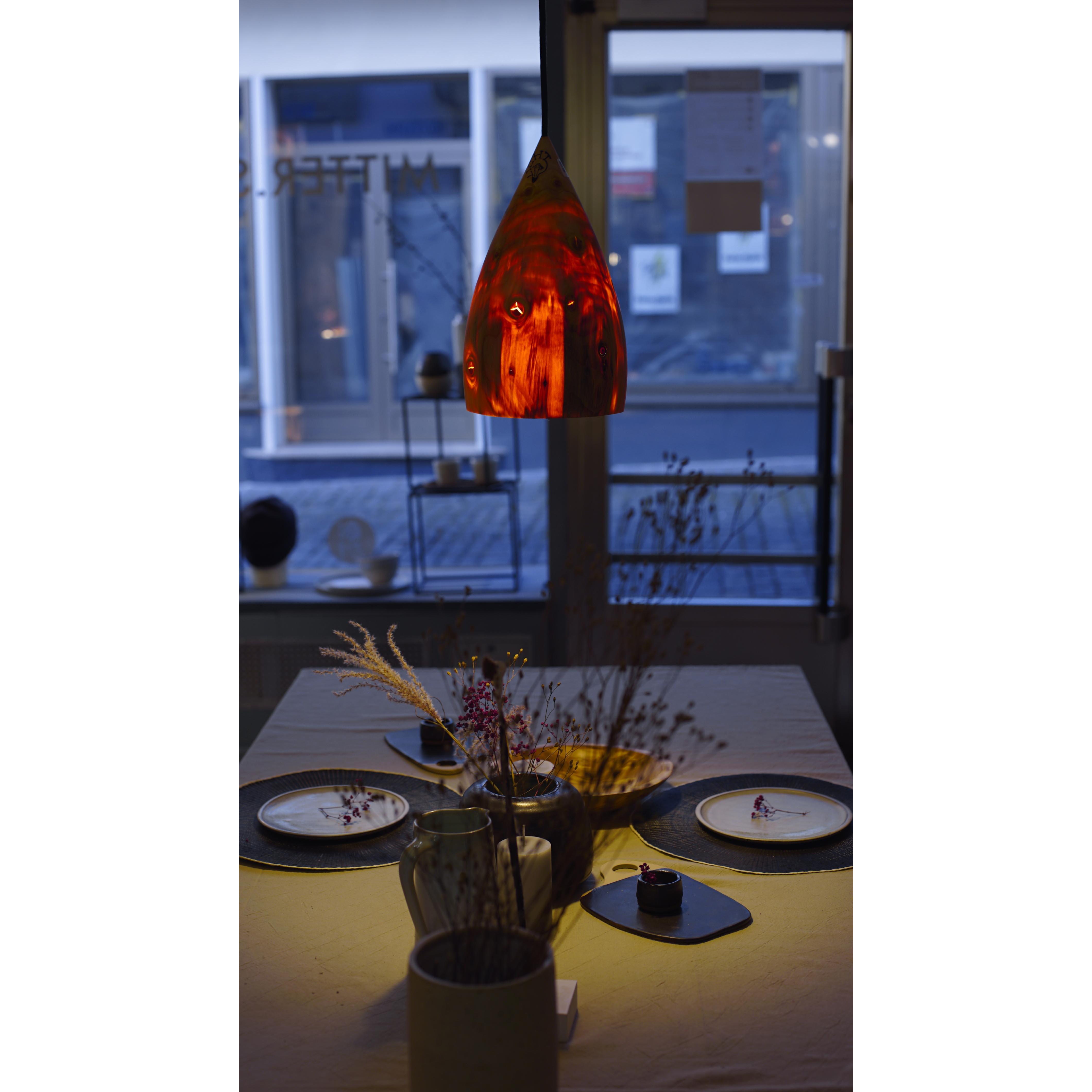 Holzlampe Serbische Fichte mittel D19 H32 / ohne Installation und Leuchtmittel HD-L072