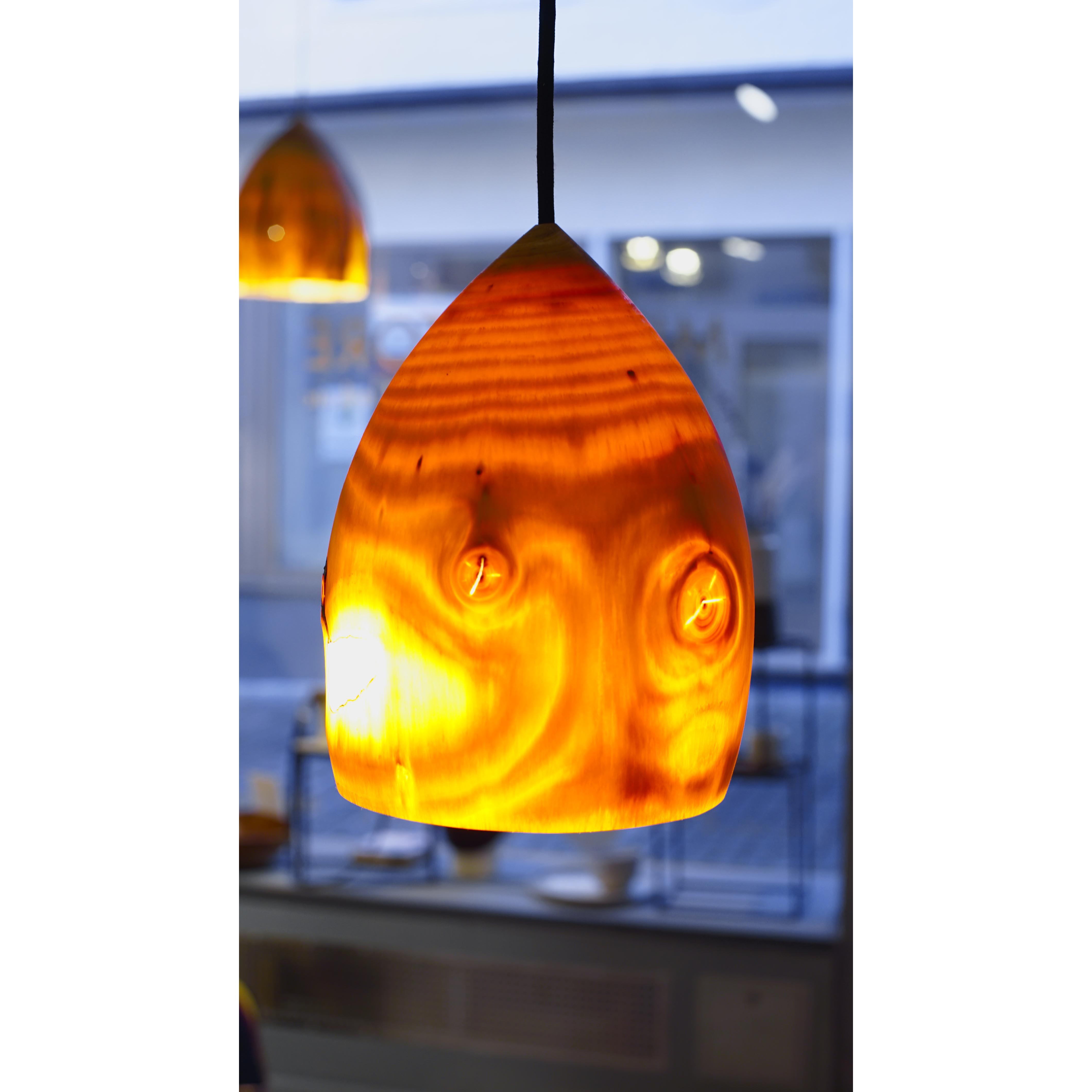 Holzlampe Kiefer Mittel D19 H24 / Ohne Kabel/Installation HD-L024
