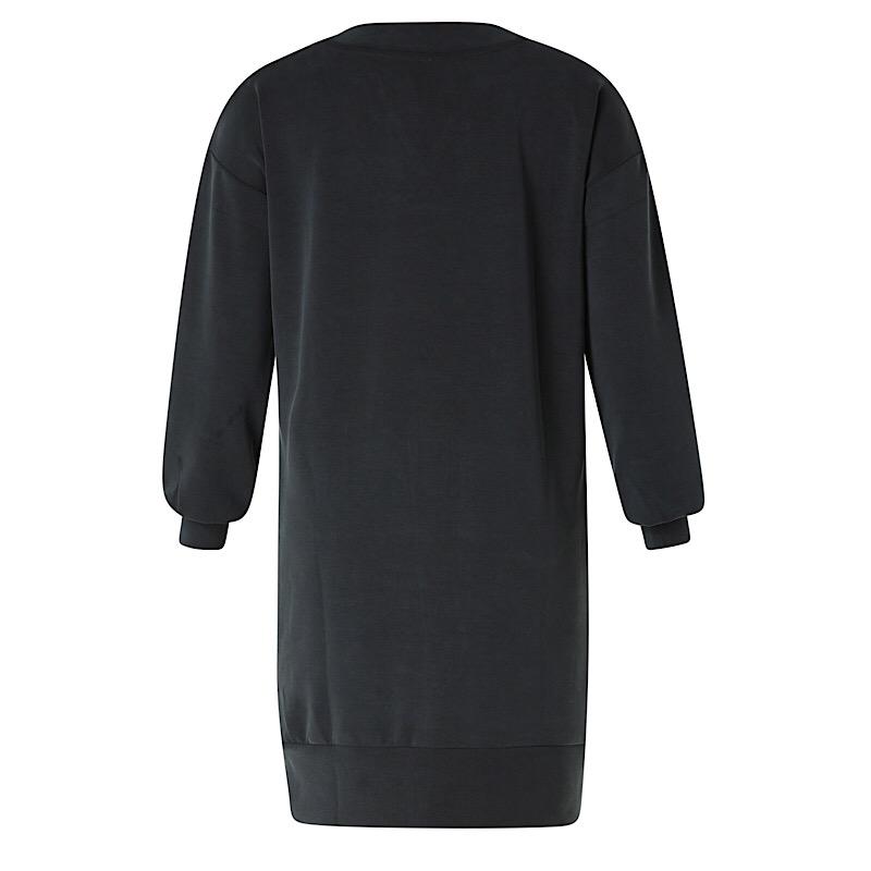 V-ringad klänning