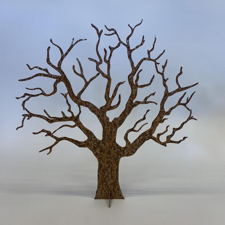 Ödeträd i cortenplåt
