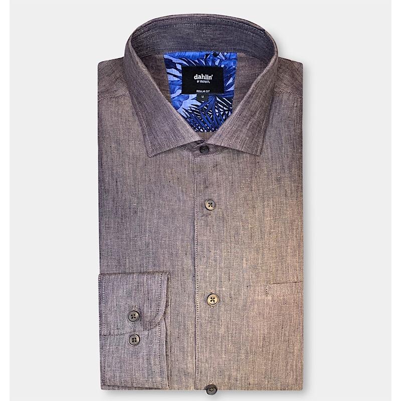 Brun linneskjorta
