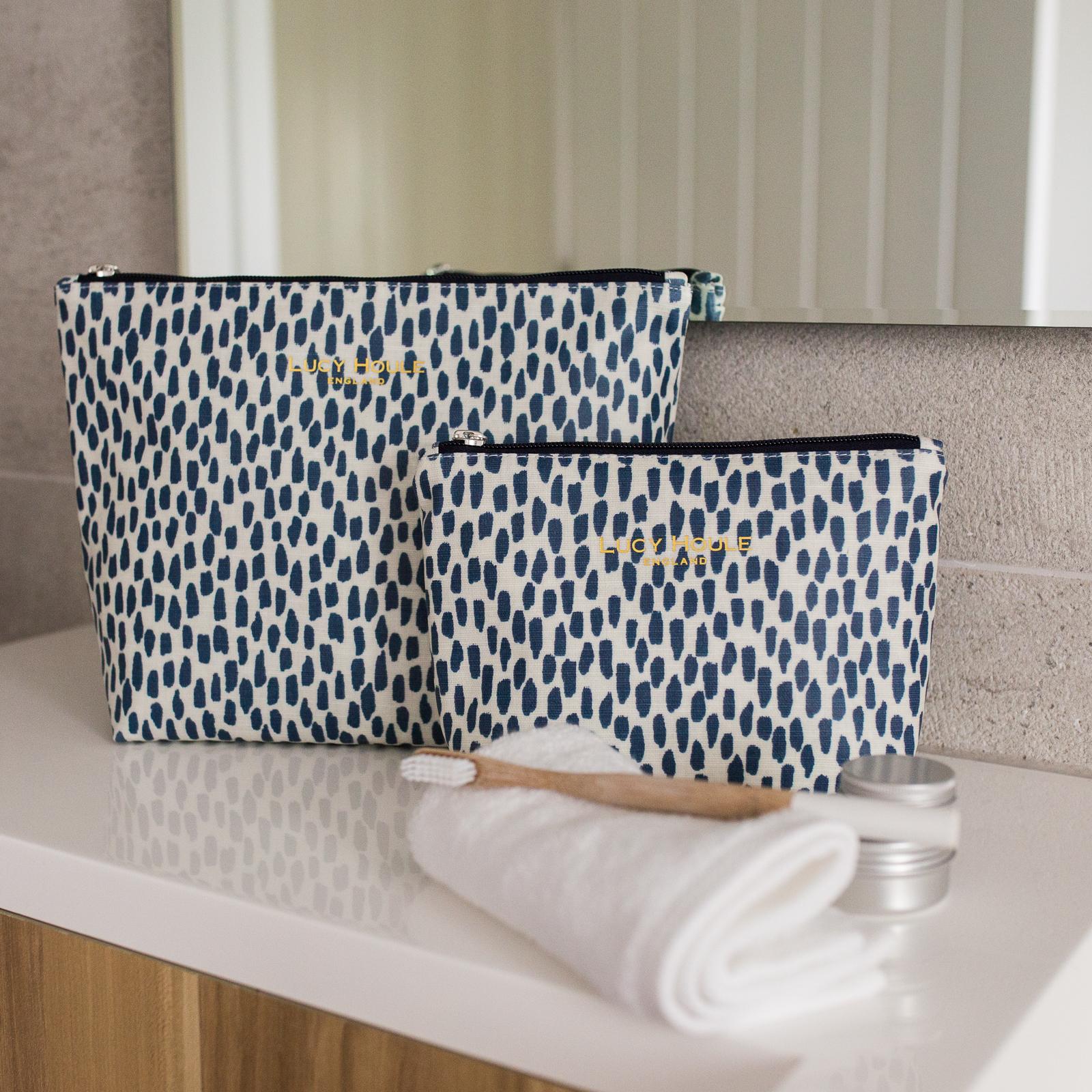 Navy Cobblestone Wash Bag & Navy Zip