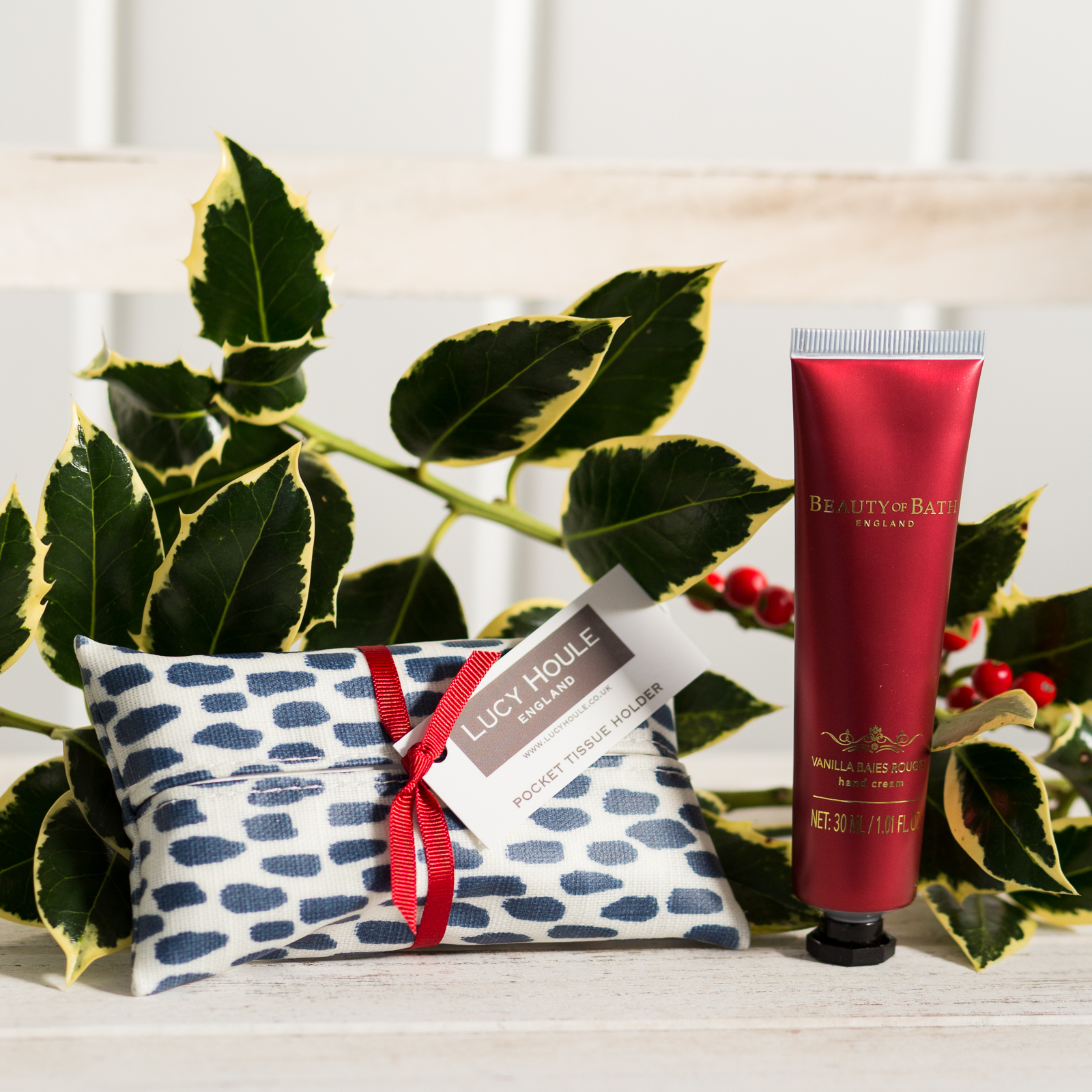 Navy Cobblestone Pocket Tissue Holder & Hand Cream Gift Set