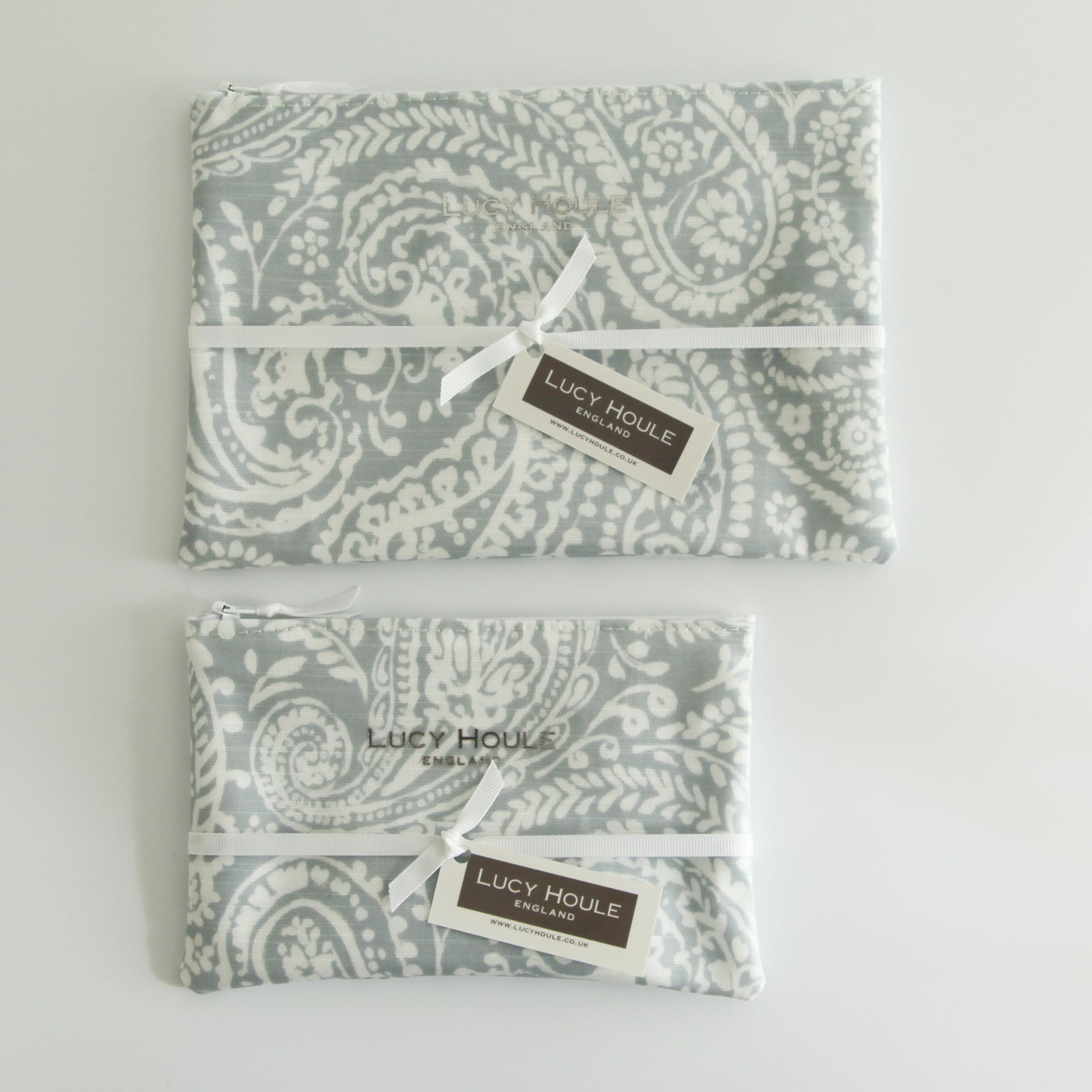 Grey Paisley Make-Up Bag with White Zip