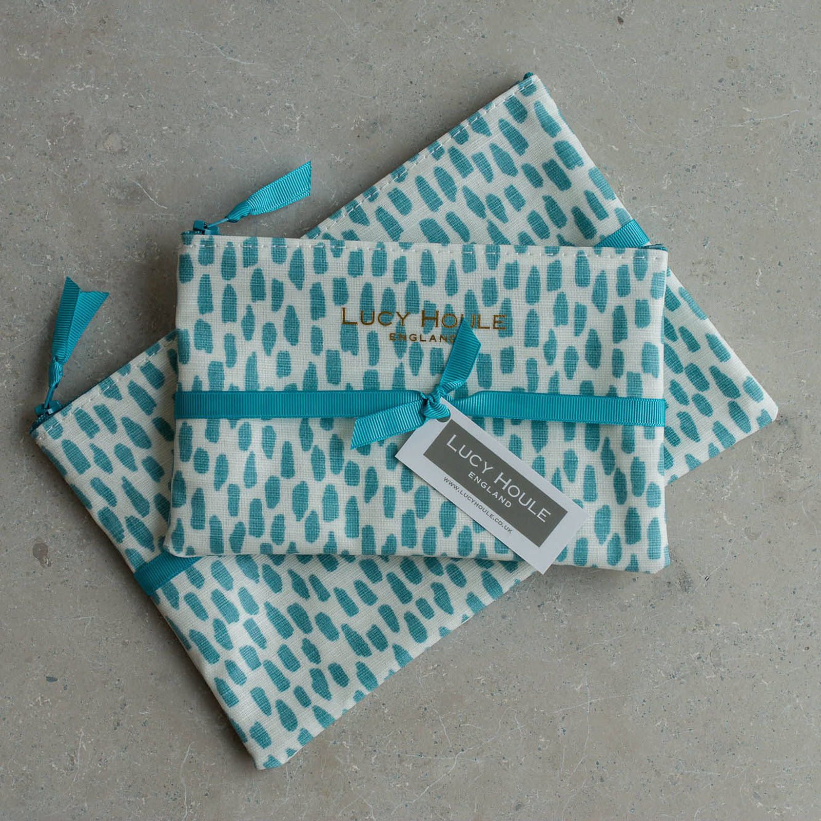 Aqua Cobblestone Make-Up Bag with Aqua Zip