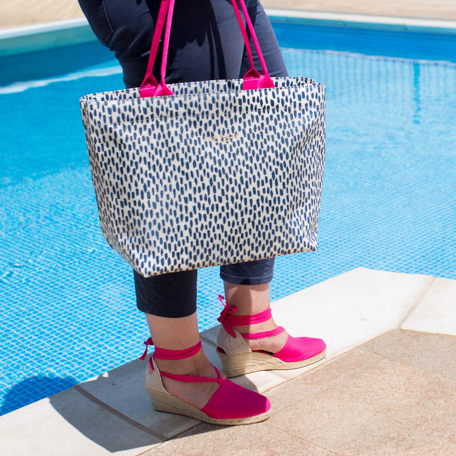 Navy Cobblestone Medium Zip Tote Bag with Pink Handles