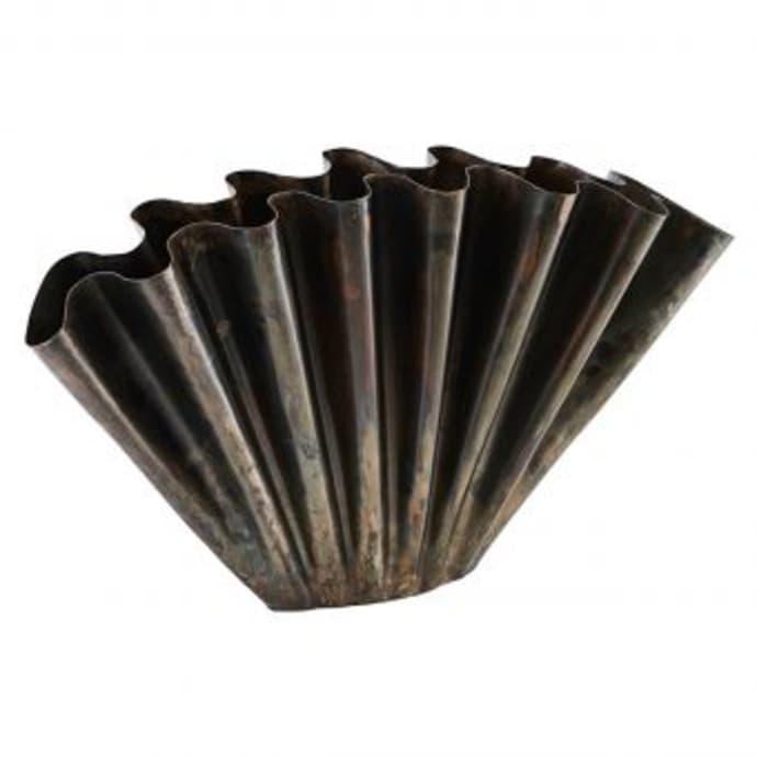 Vase, Flood i jern fra HouseDoctor