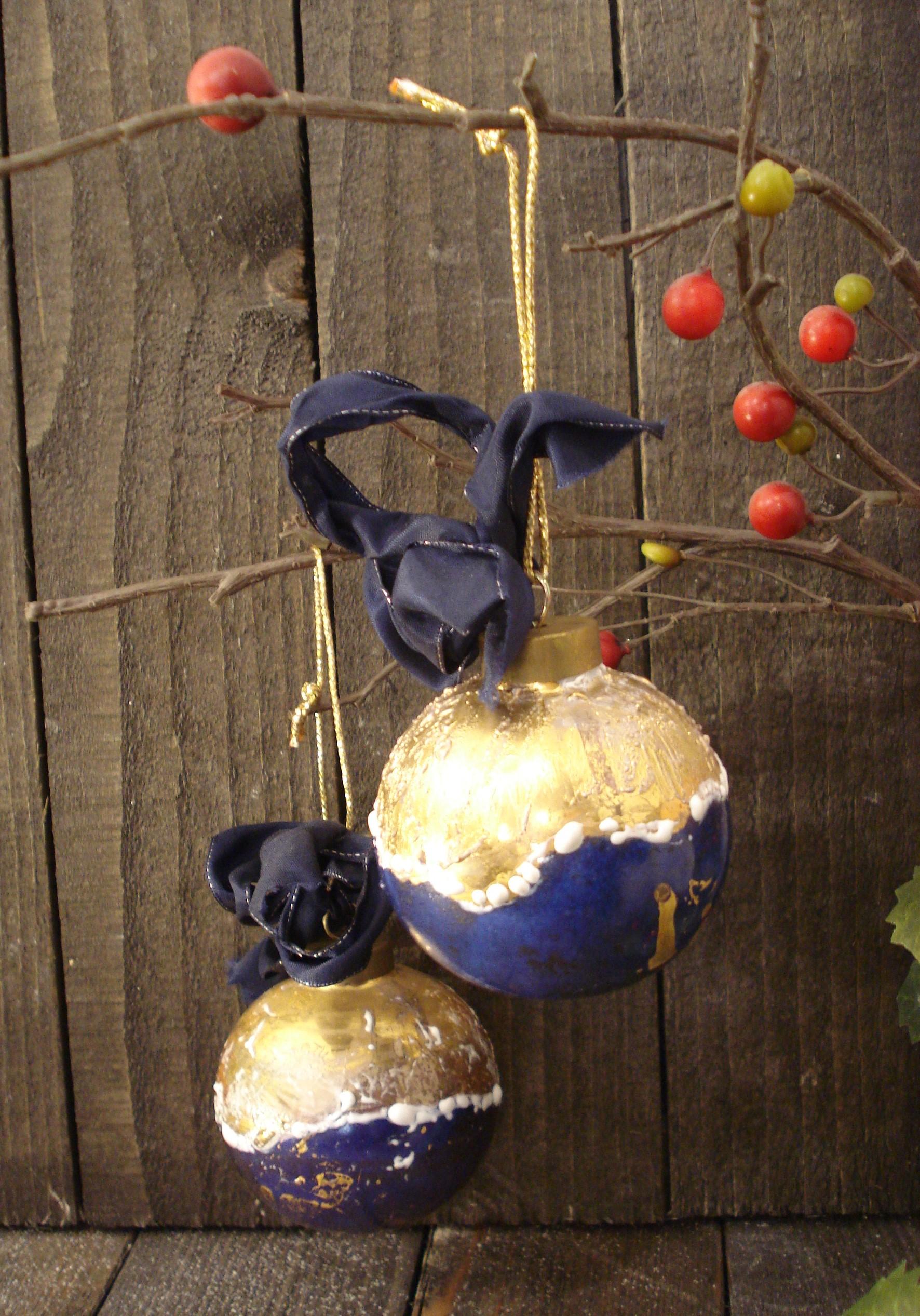 Julekugler i porcelæn