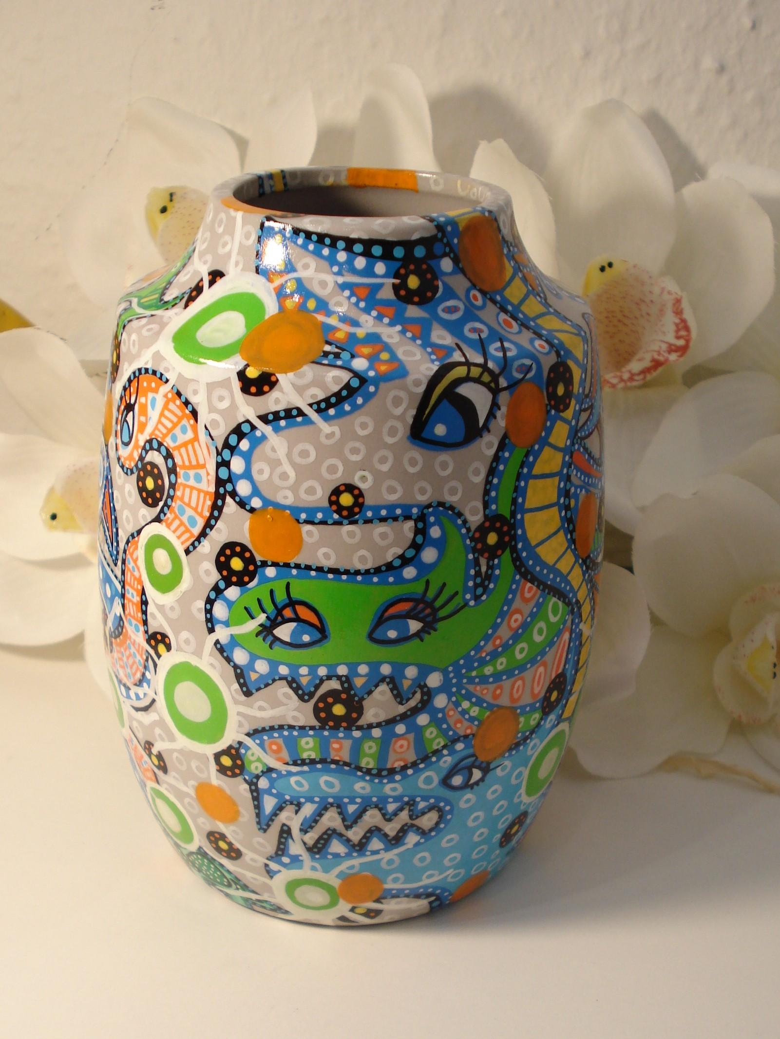 Håndtegnet vase fra BAKAOS