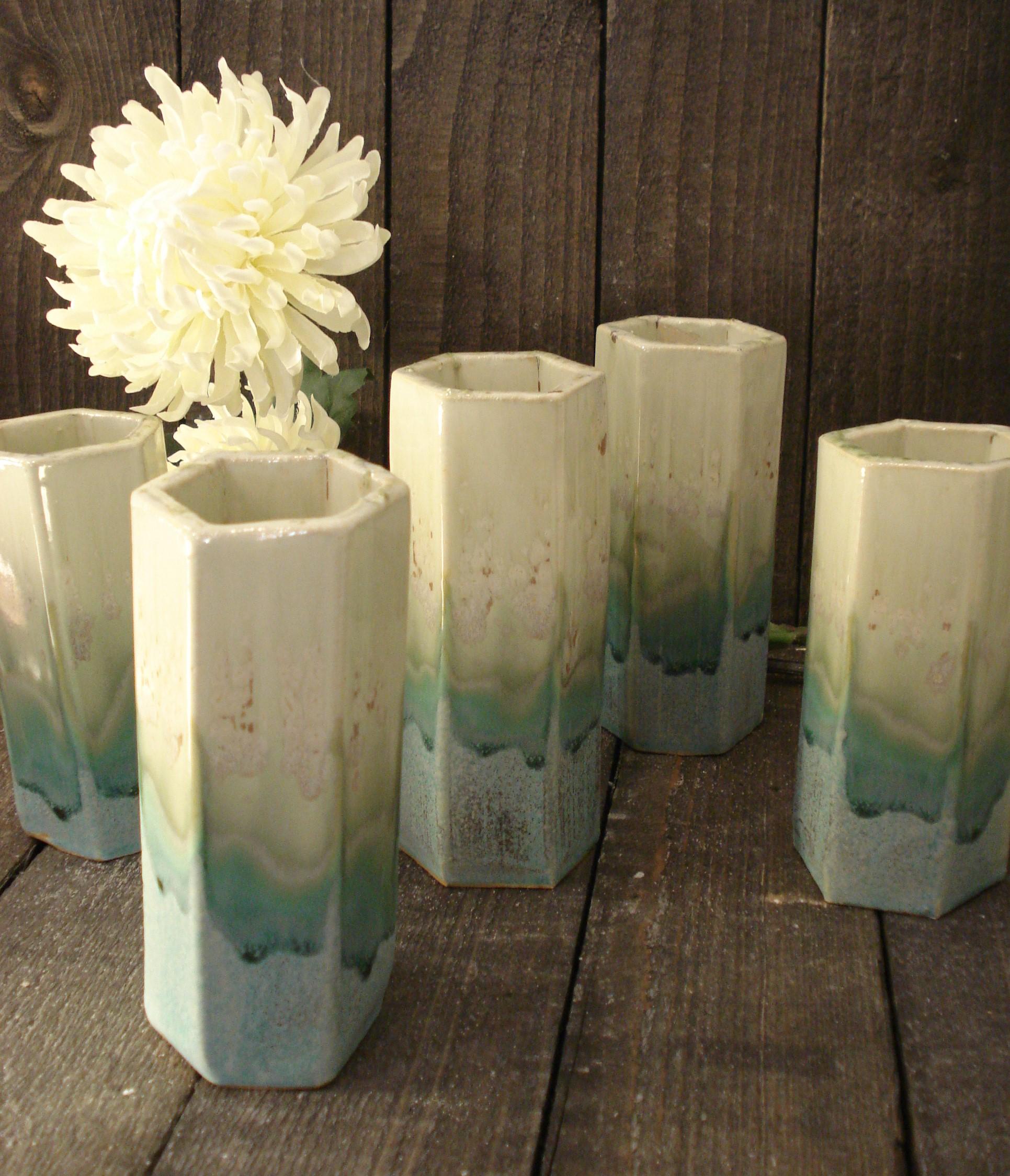 6 kantet keramik vase mintgrøn/gulgrøn