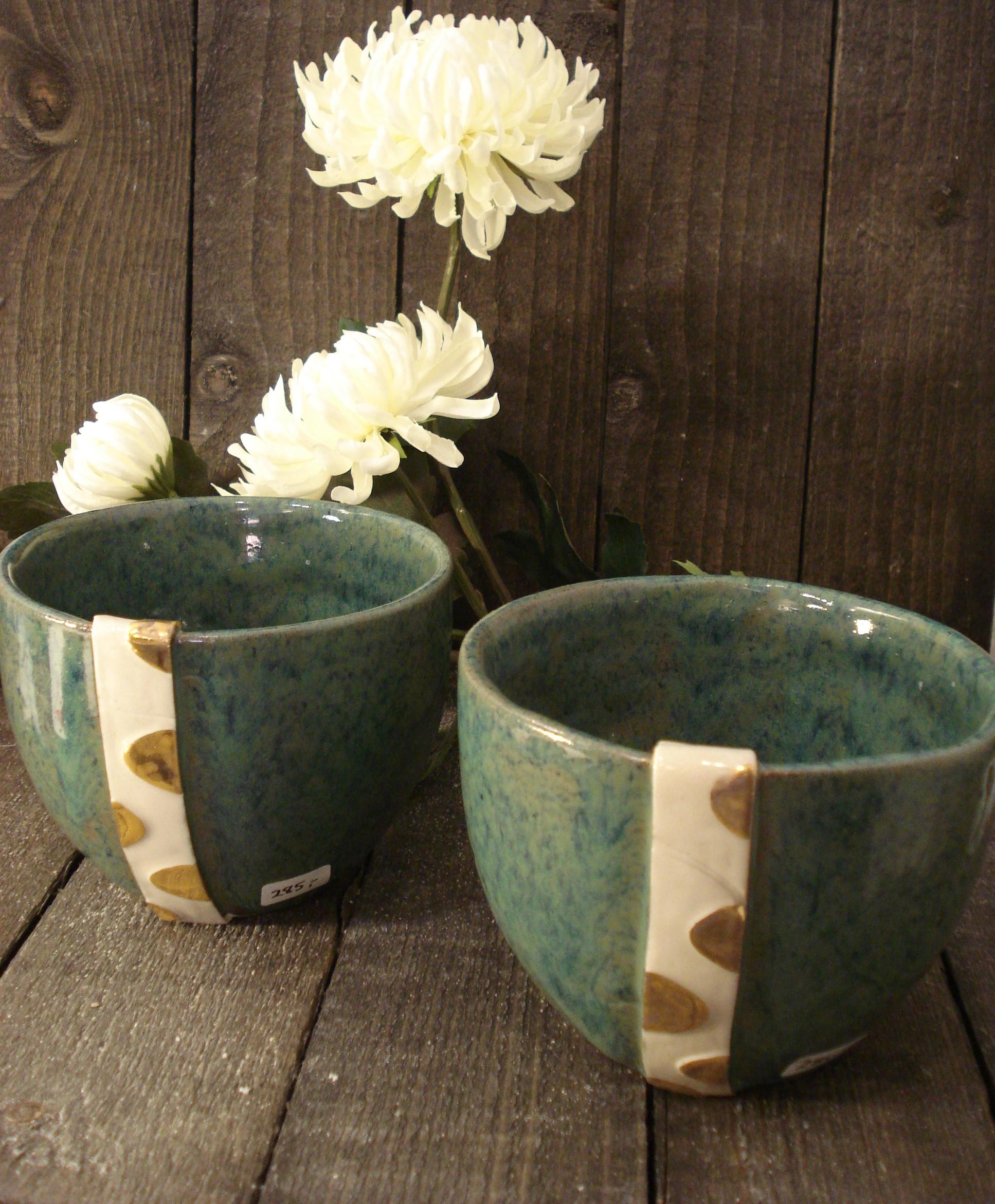 Keramik skåle med guldbort
