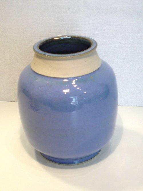 Blå lilla stentøjsvase