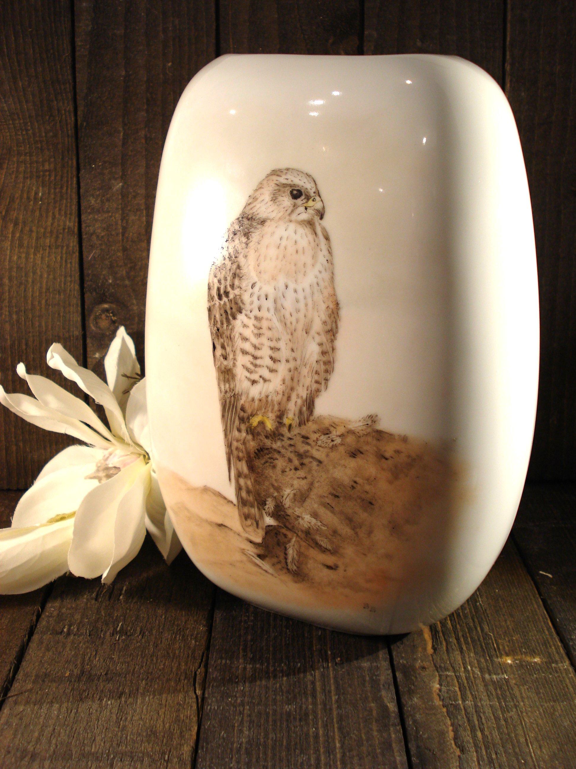 Porcelænsvase falk