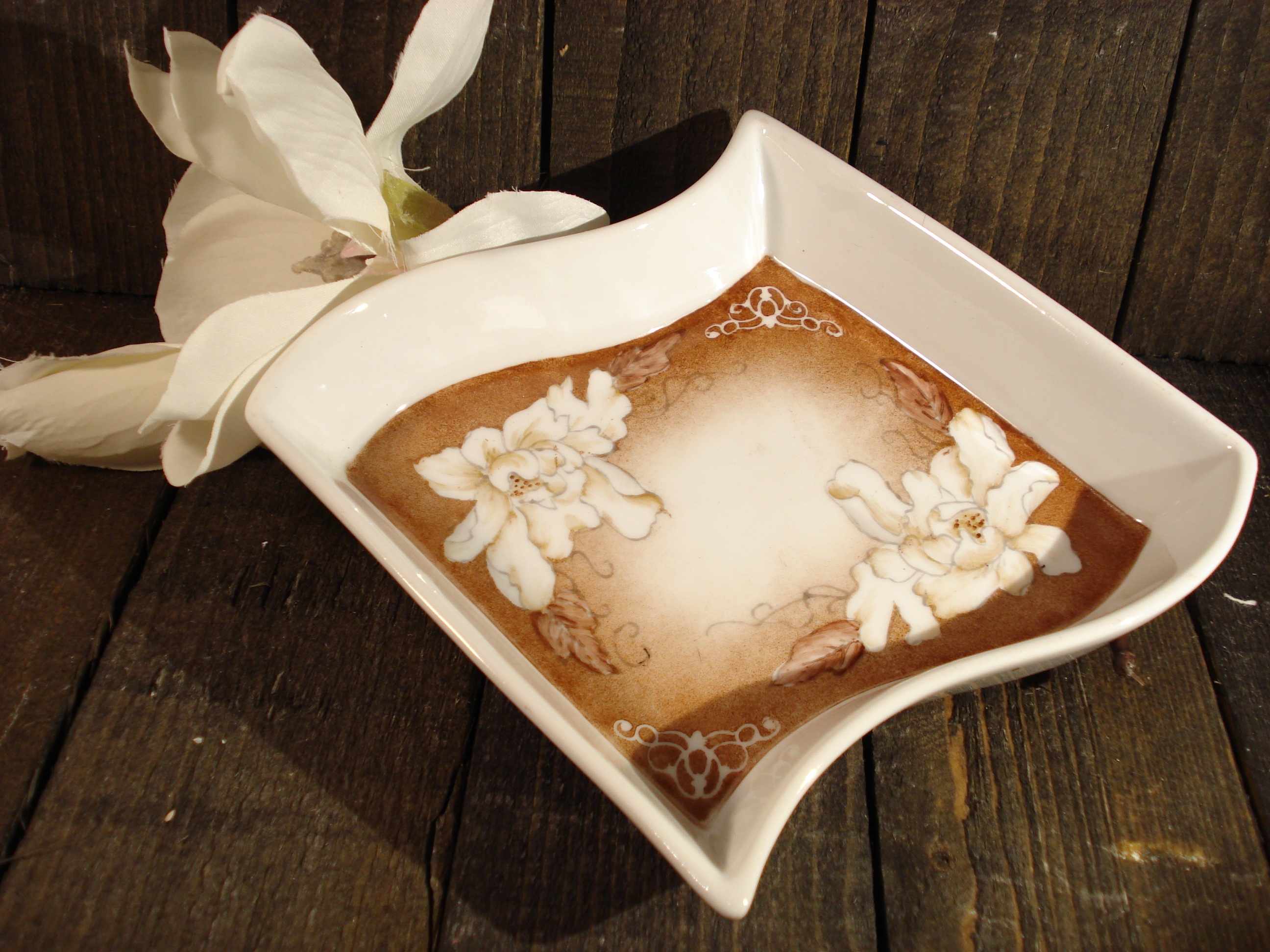Lille håndmalet porcelænsfad