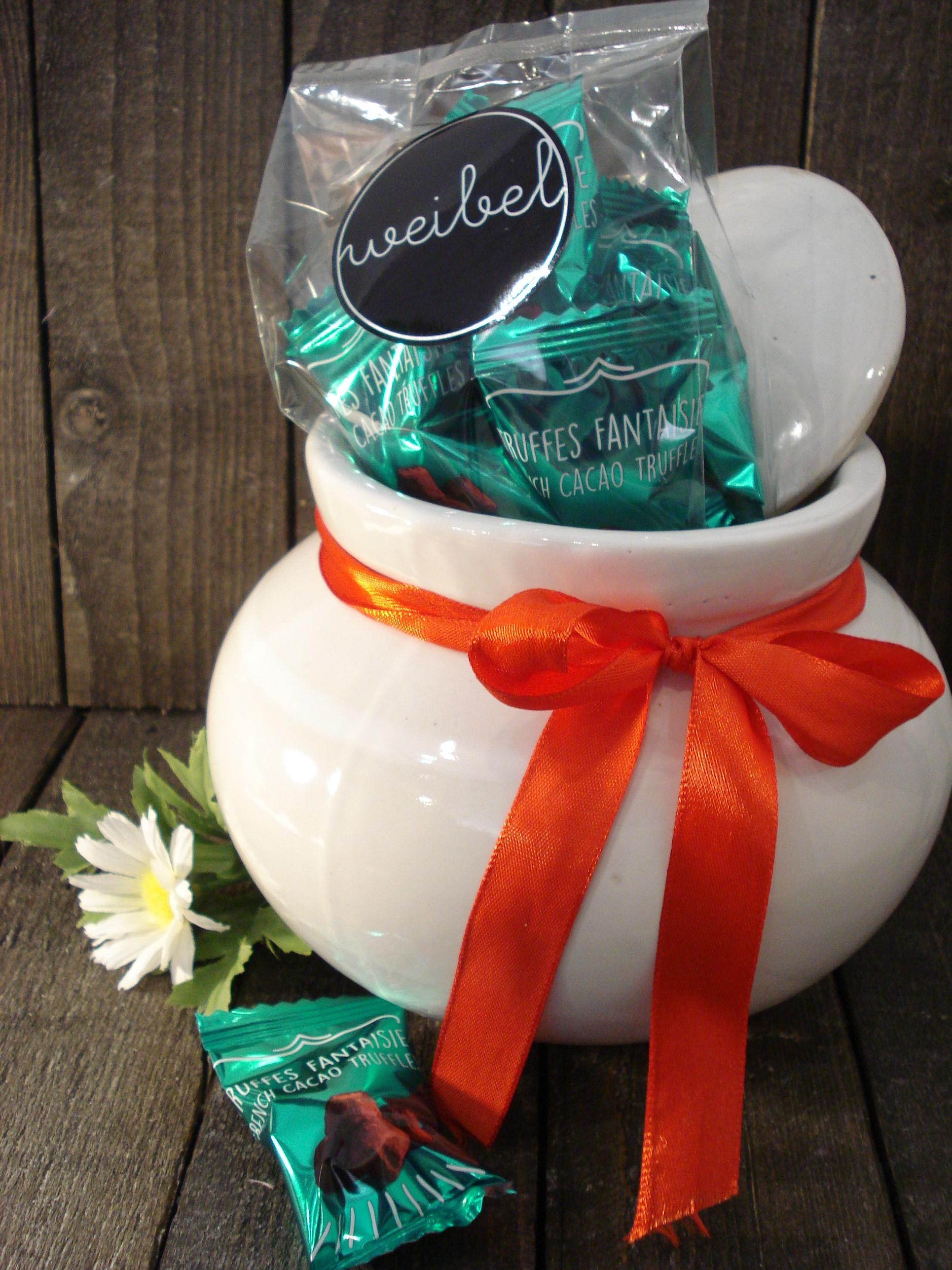 krukke med låg og chokolade gave