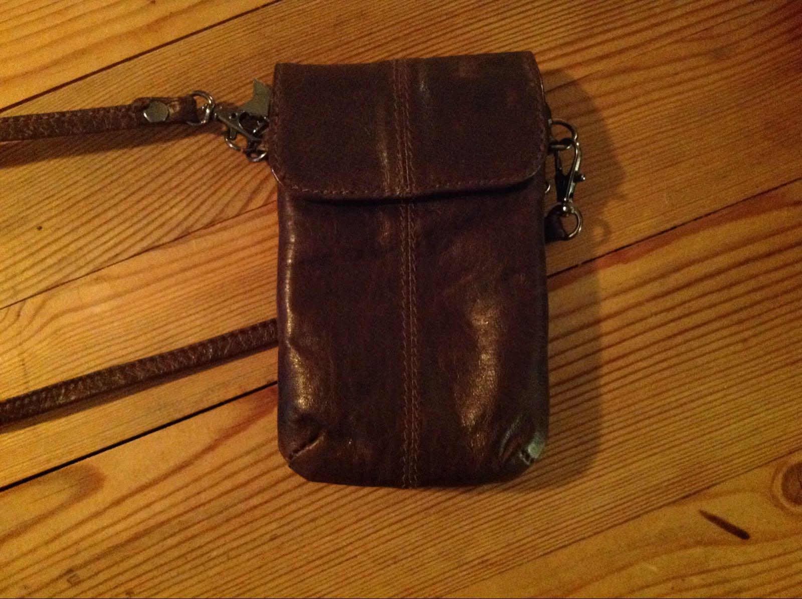 Väska för mobil brun skinn (second hand)