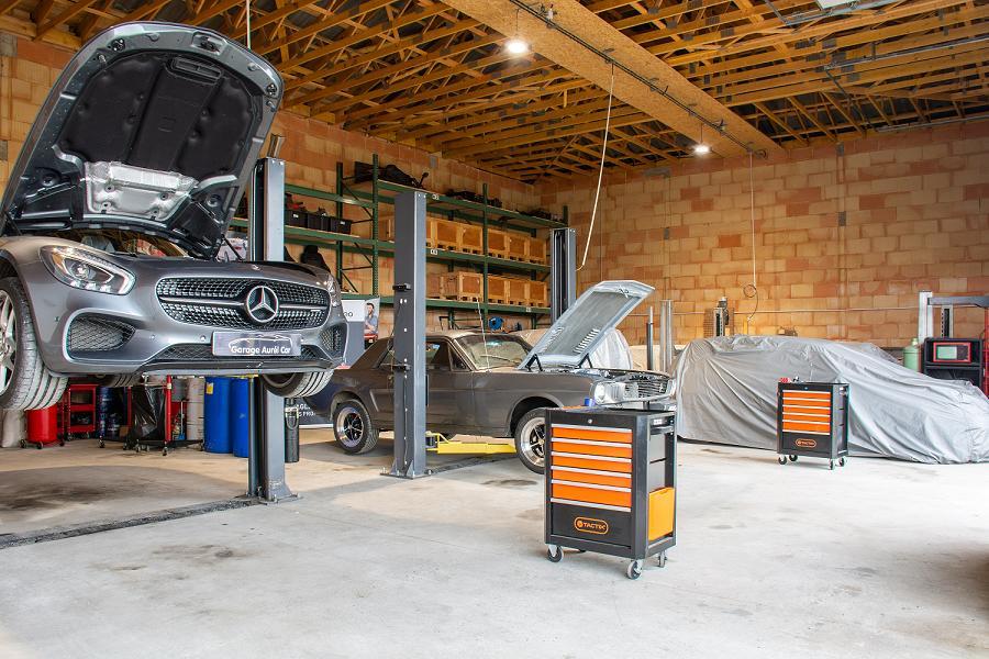 Garage Aurel-car