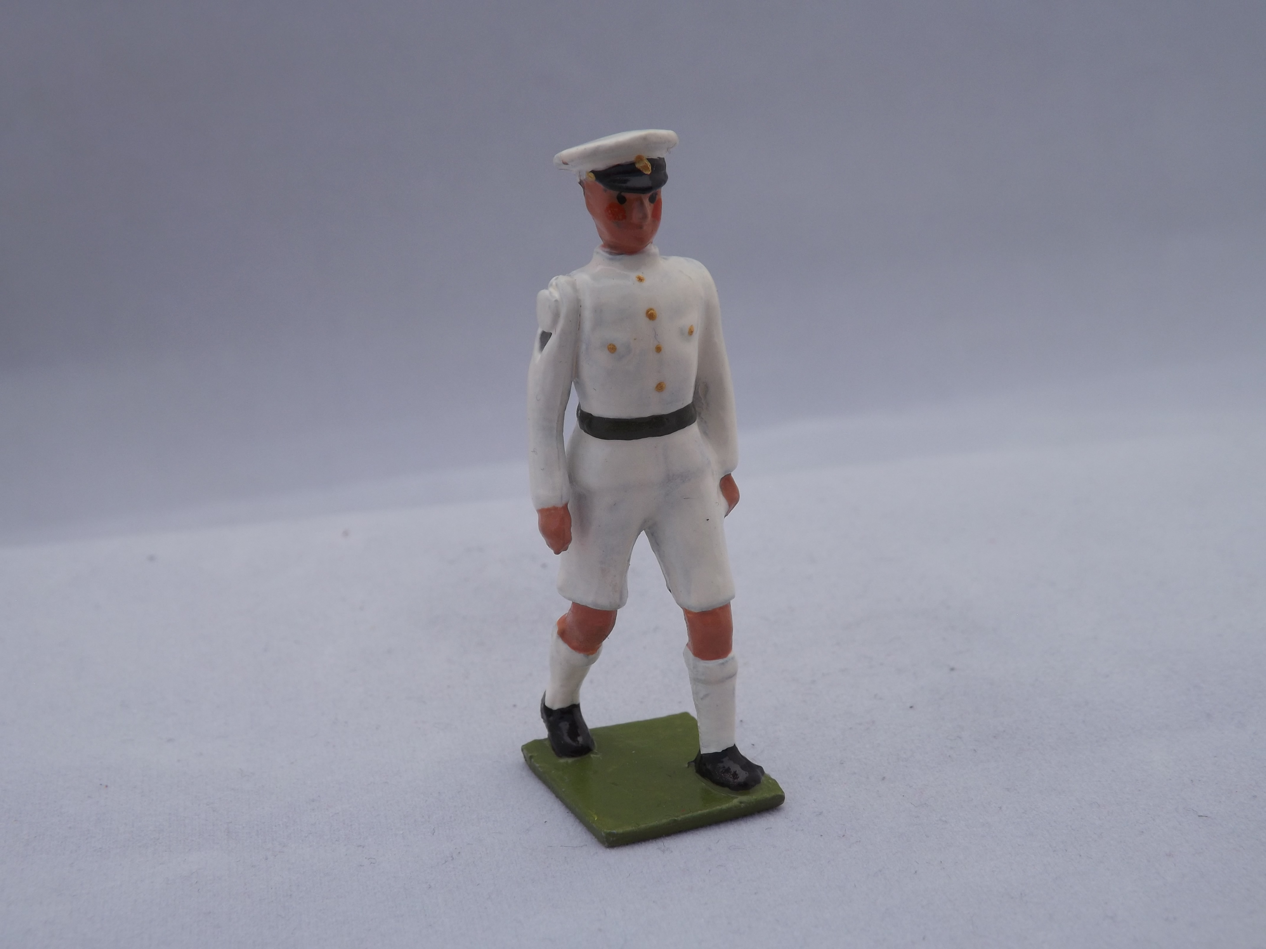 No 118-Officer RN in shorts