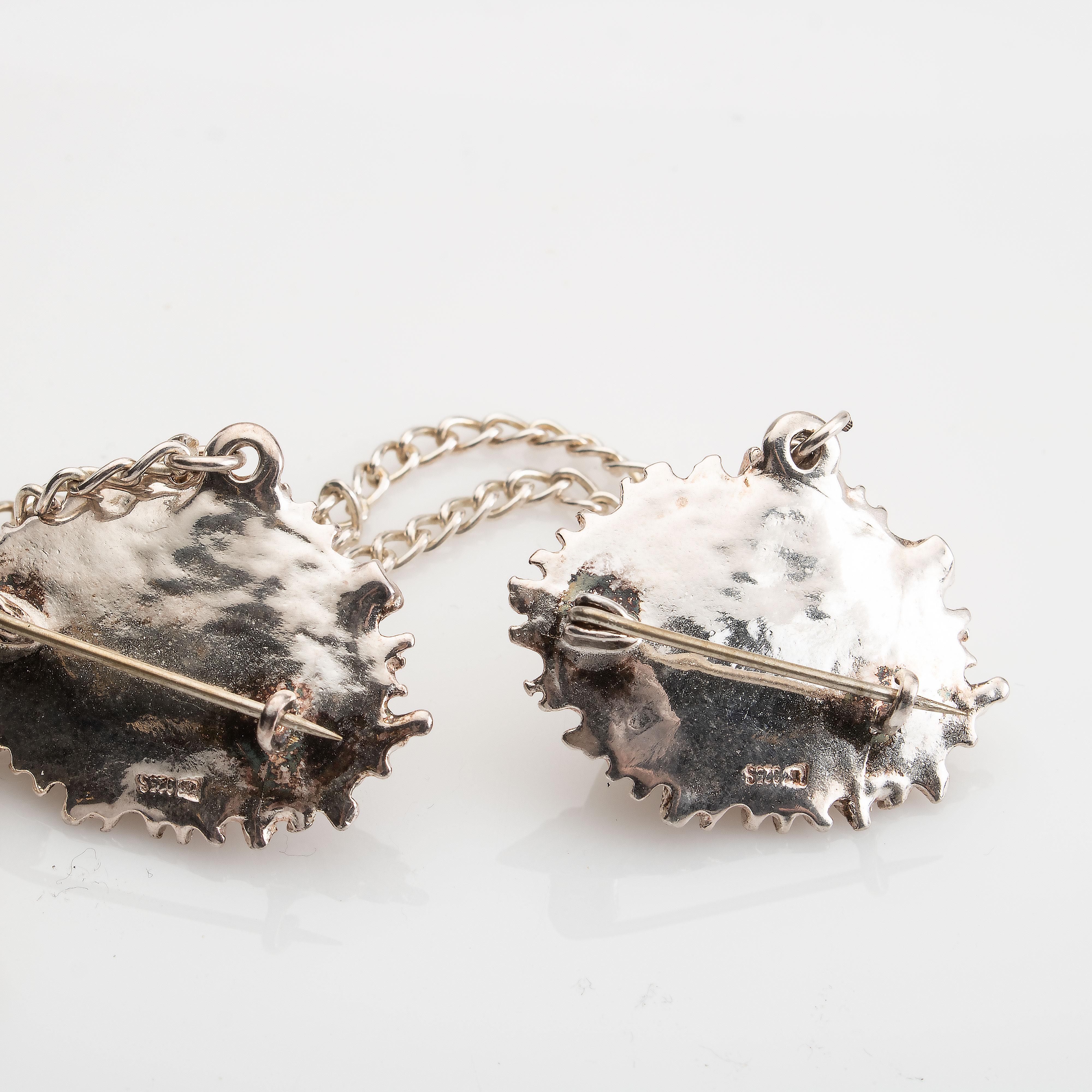 Kjedebrosje / sjalfeste, sølv, perlemor
