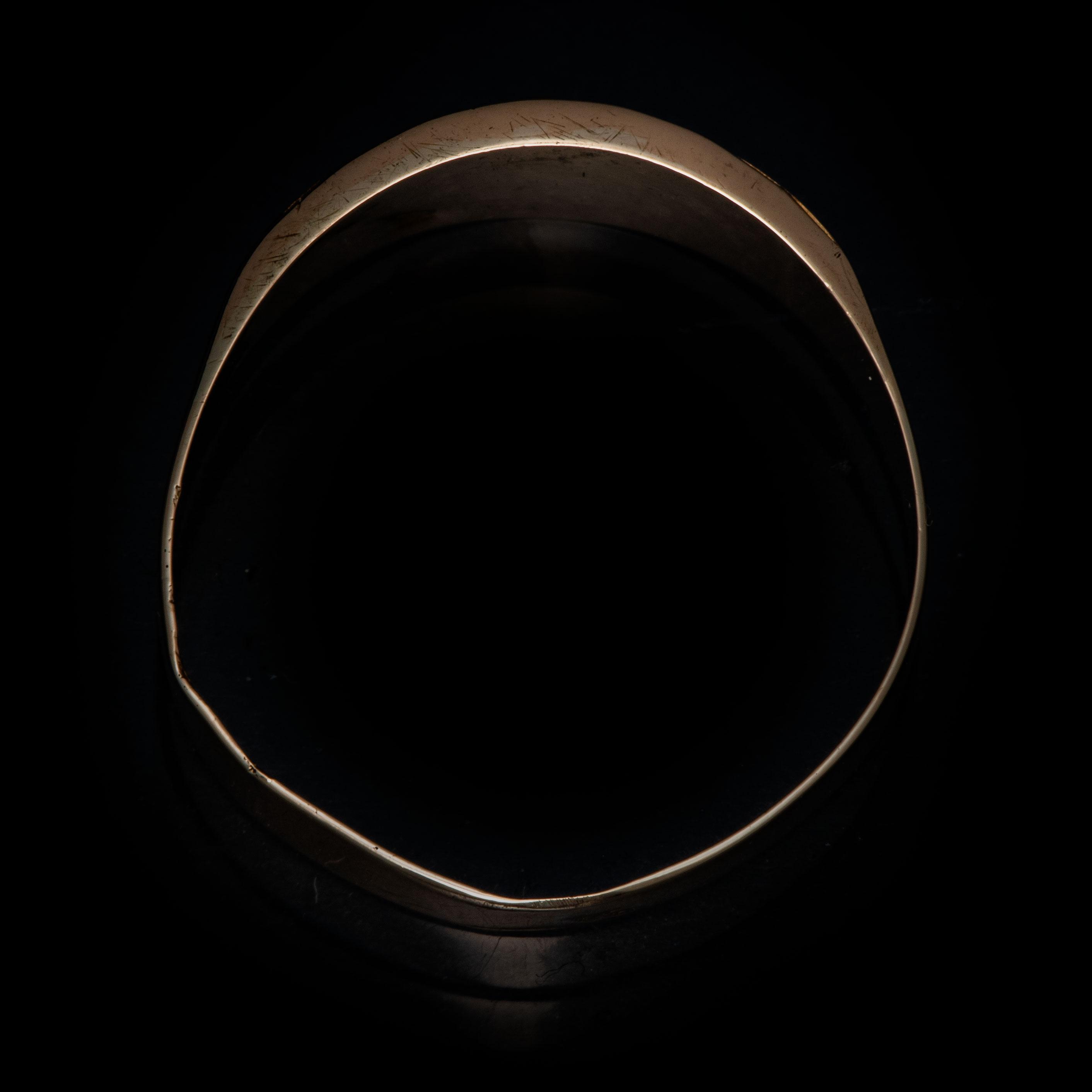 Ring, gult gull, blå spinell