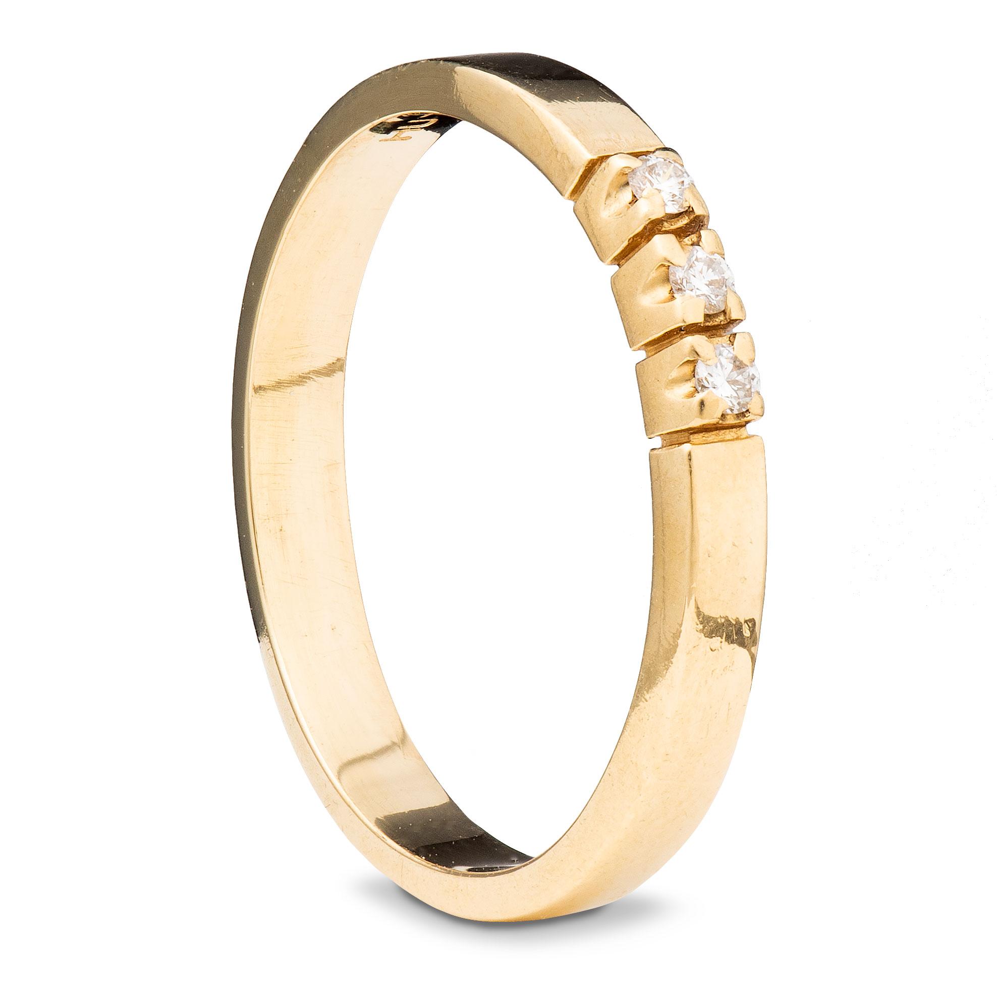 Ring, gult gull, diamanter (0,06 ct.)