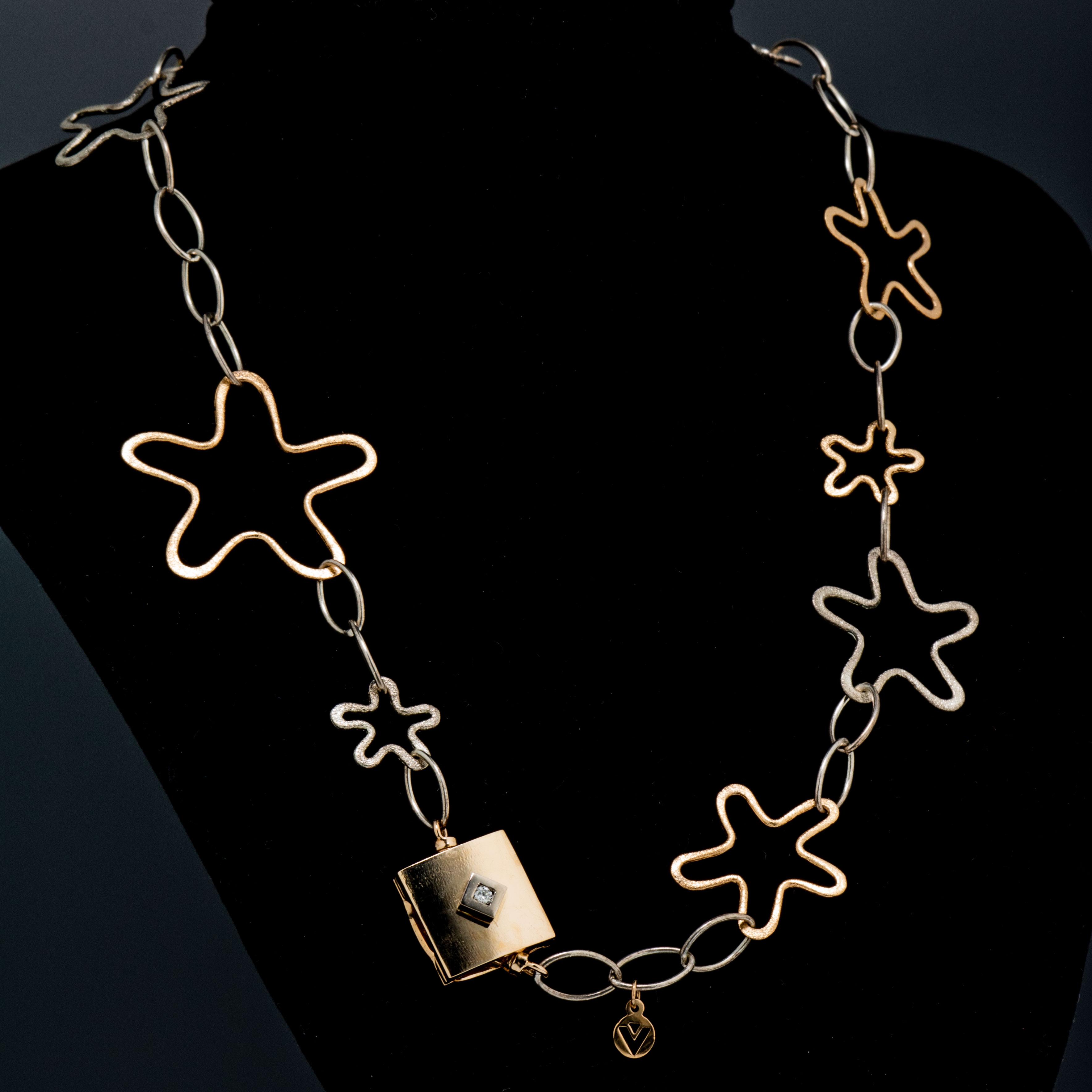 """Van Bergen """"Sea"""" halssmykke, gult gull, sølv, diamant (0,12 ct.)"""