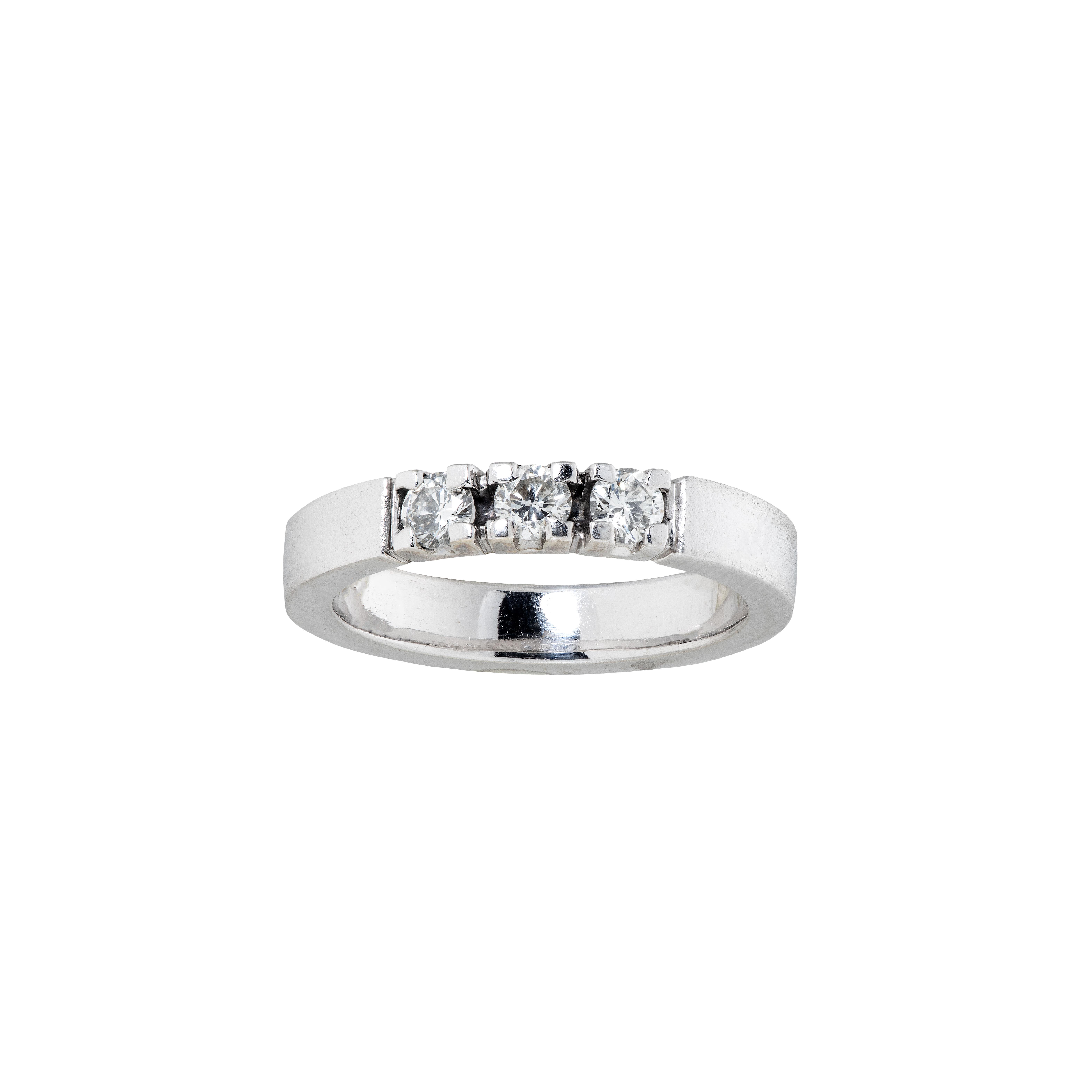 Ring, hvitt gull, diamanter (0,45 ct.)