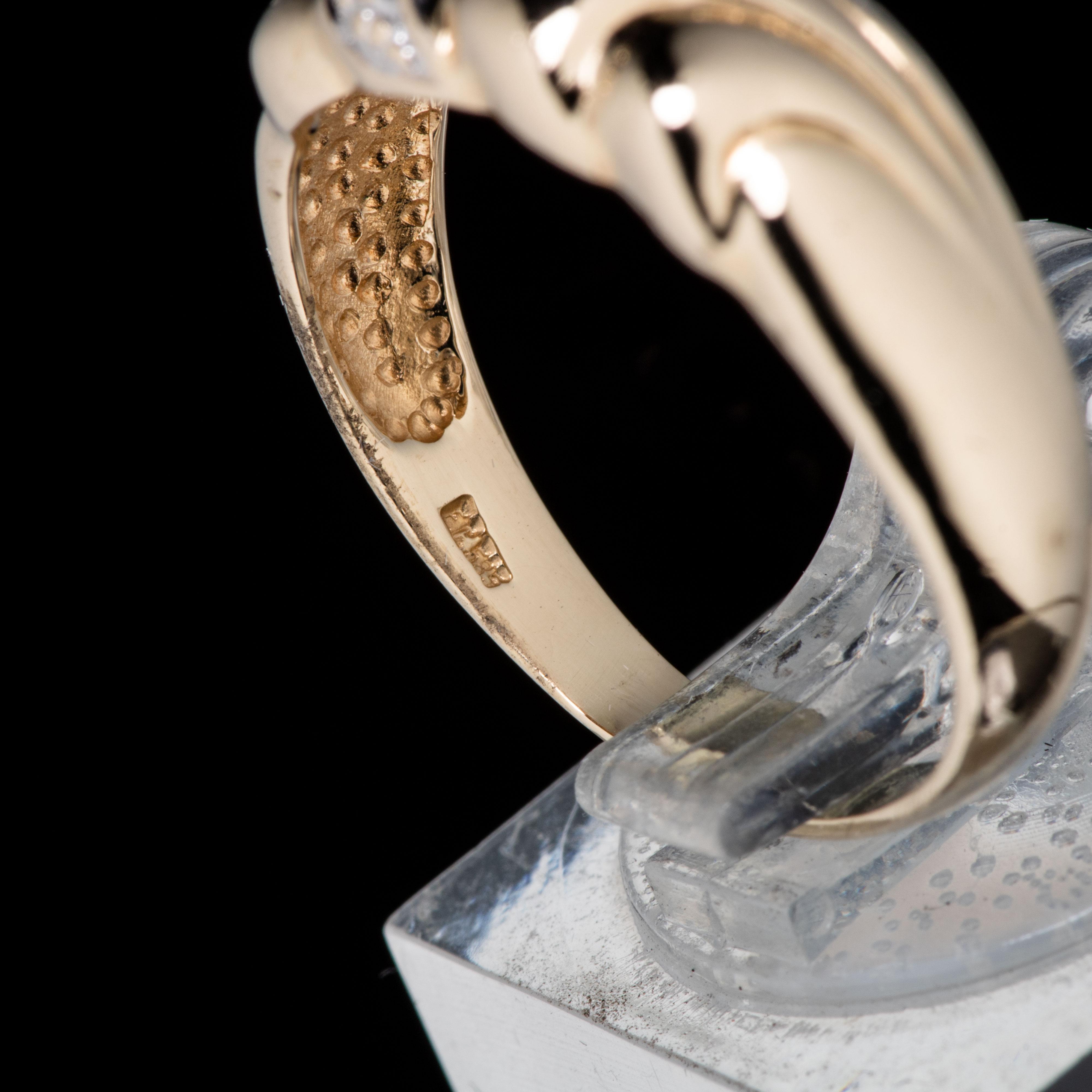 Ring, gult gull, diamant (0,0025 ct.)