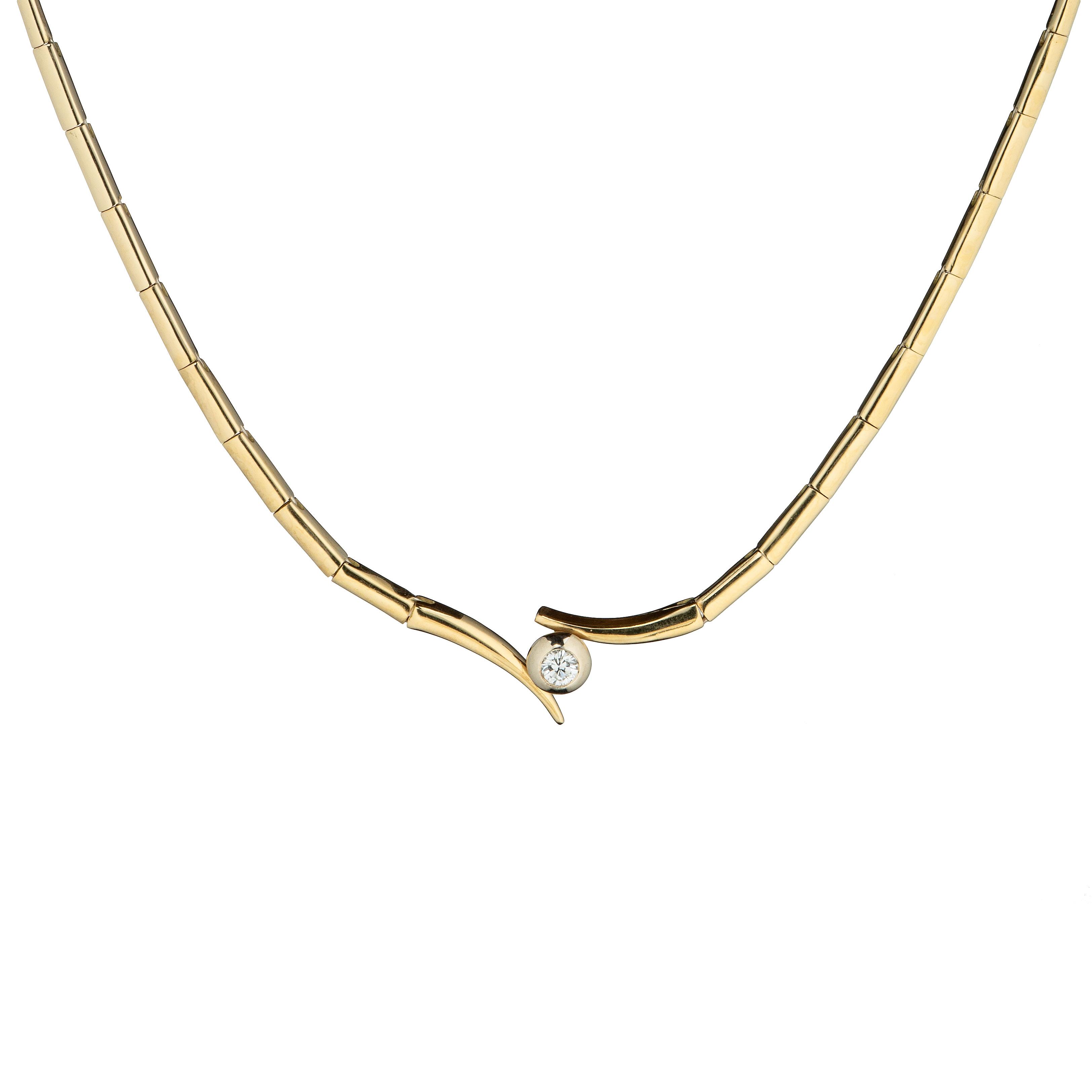 Halssmykke, gult gull, diamant (0,3 ct.)