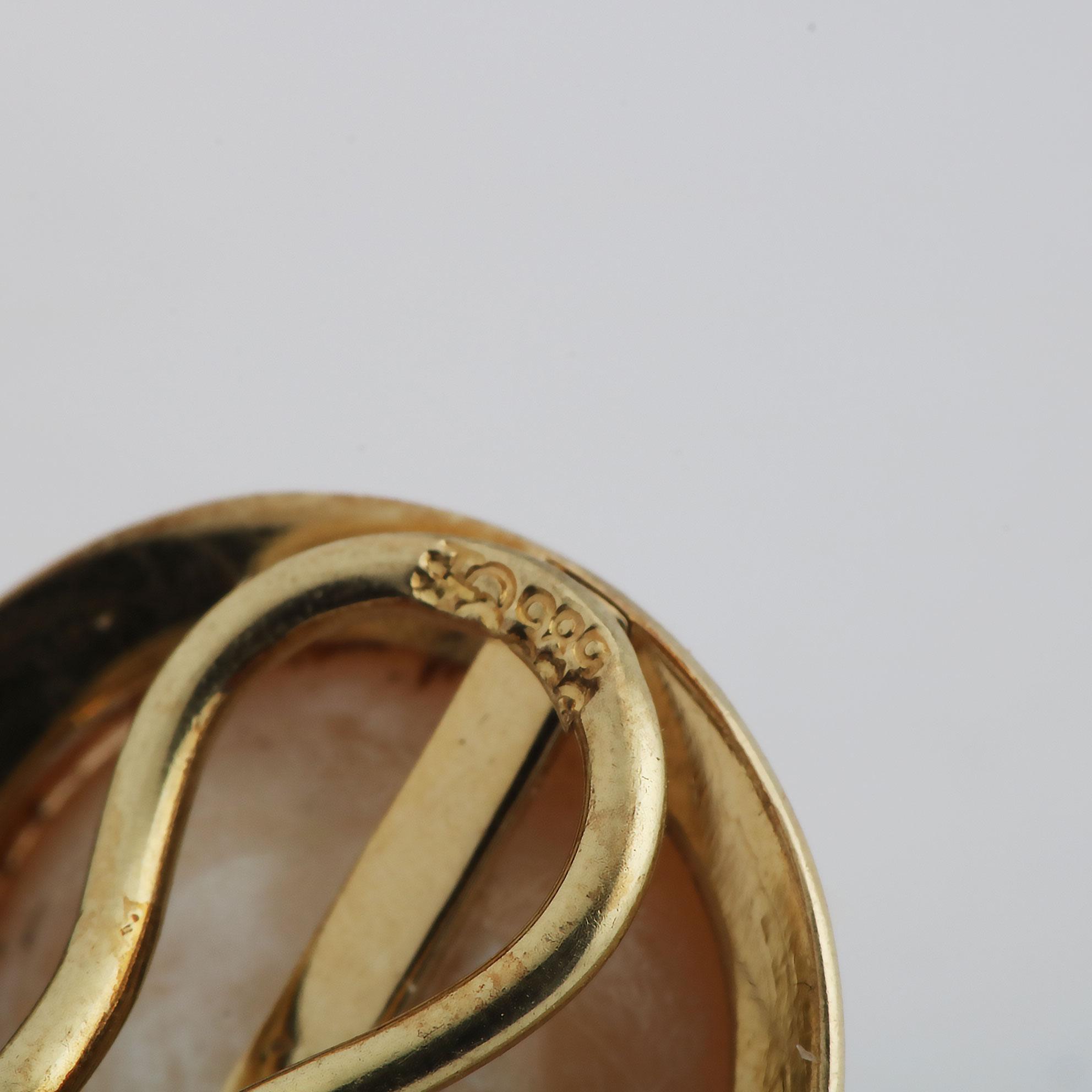 Ørepynt m. klips, gult gull, perlemor