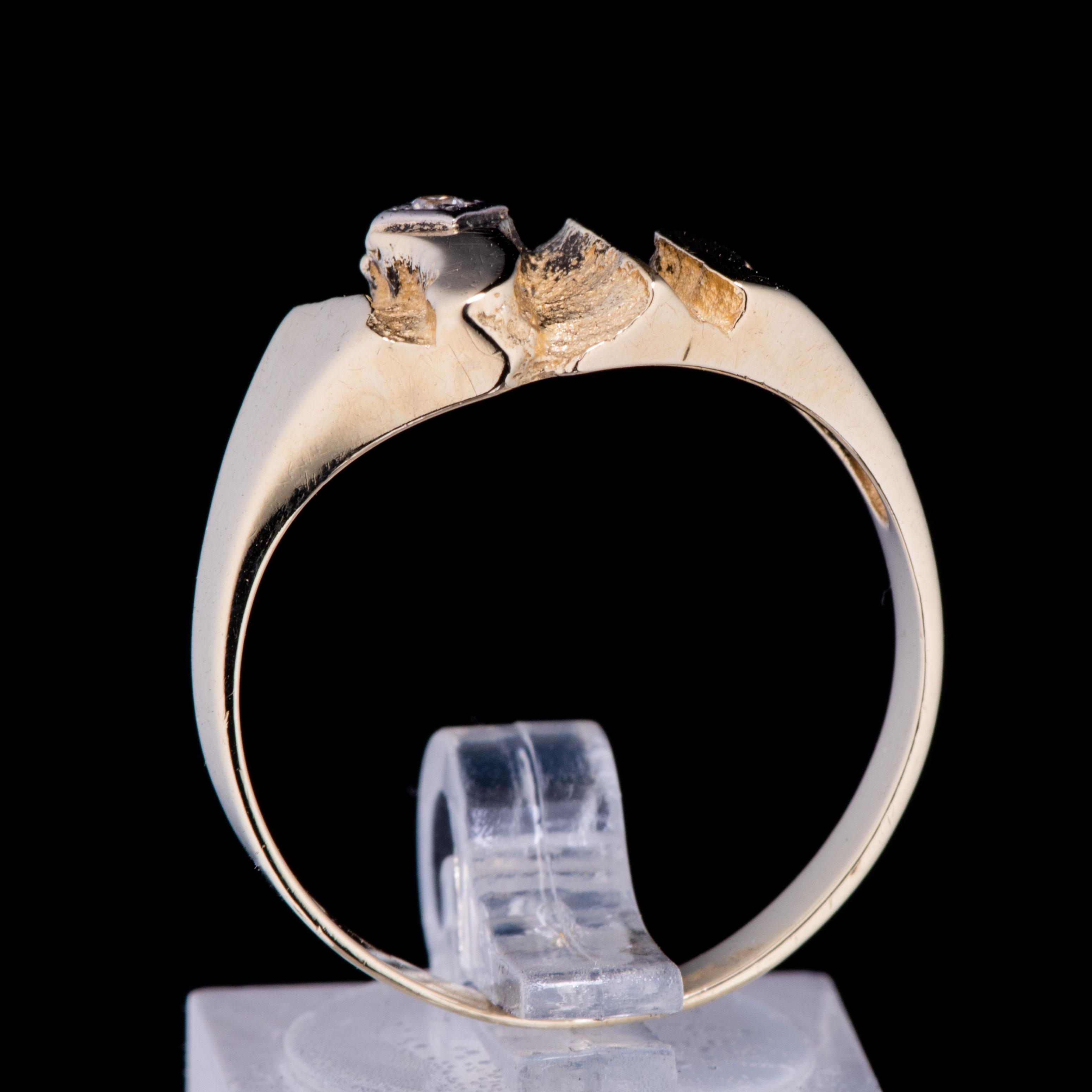 Ring, gult gull, diamant (0,03 ct.)